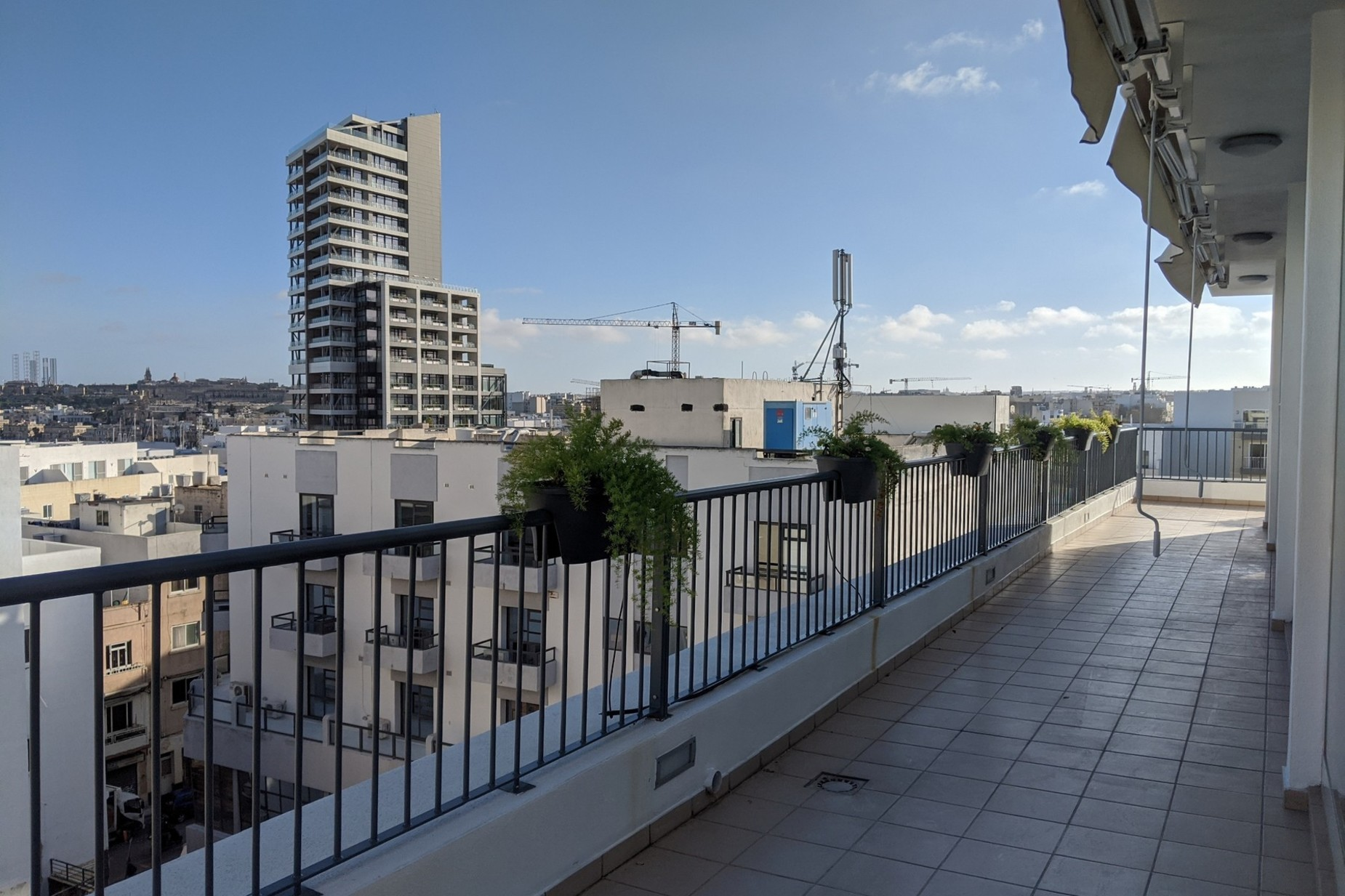 2 bed Penthouse For Rent in Gzira, Gzira - thumb 2