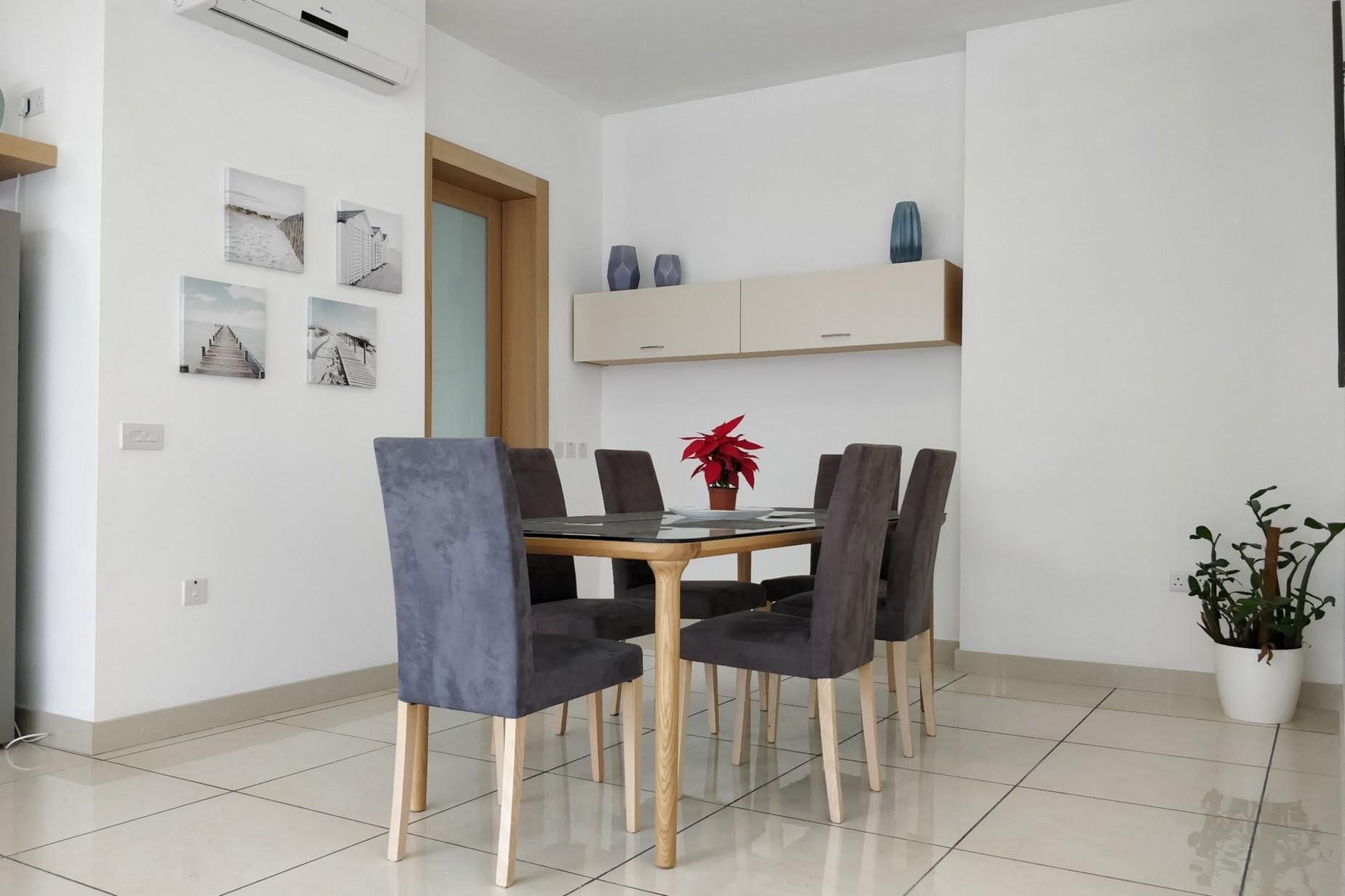 2 bed Penthouse For Rent in Gzira, Gzira - thumb 7