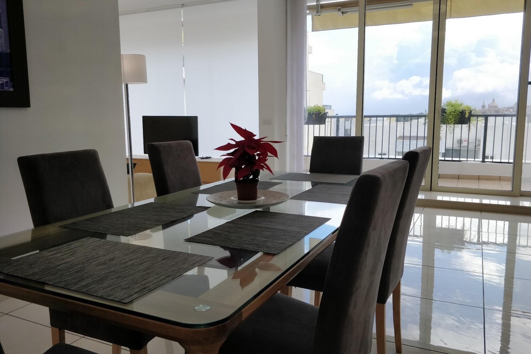 2 bed Penthouse For Rent in Gzira, Gzira - thumb 3