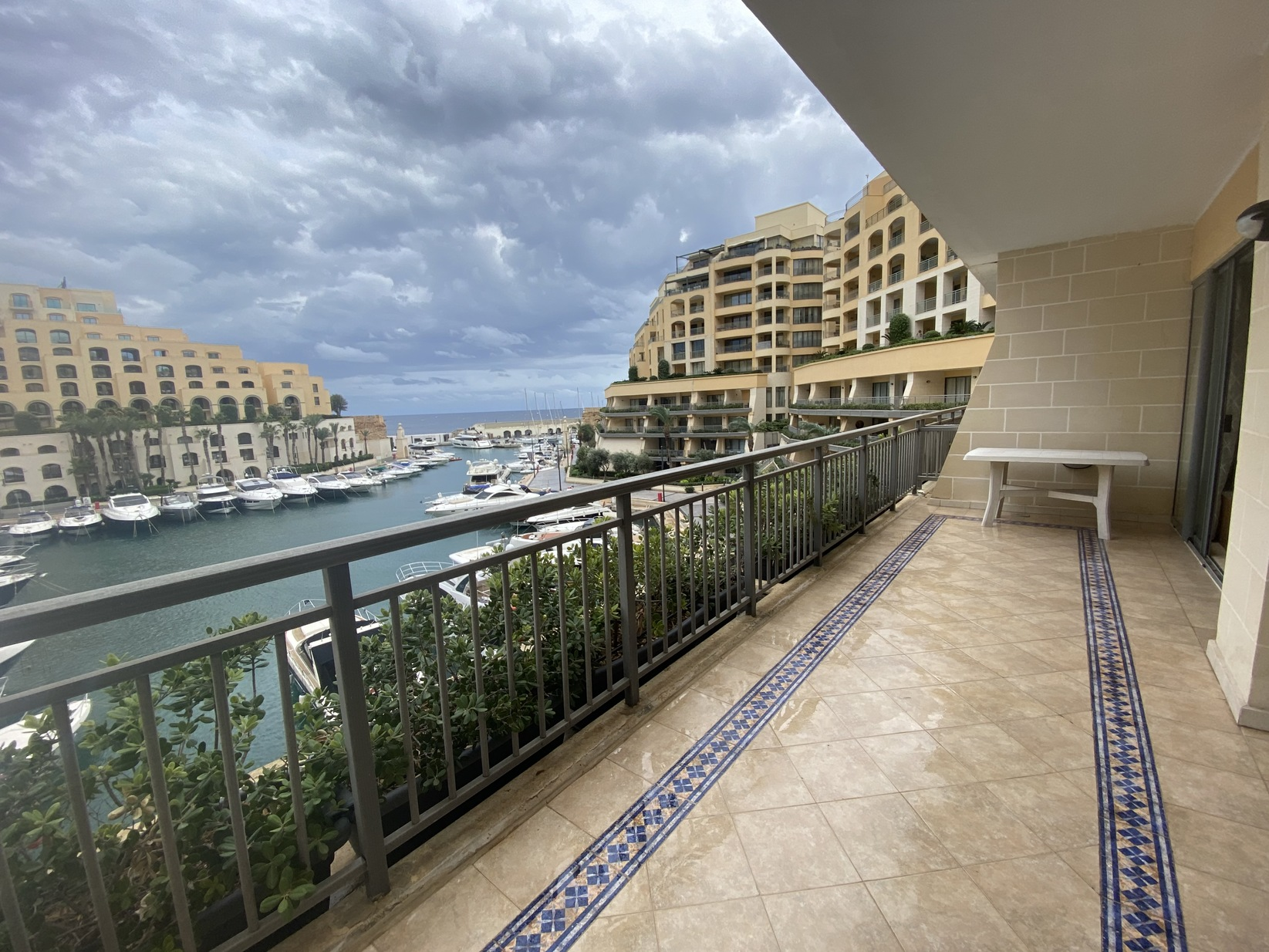 1 bed Apartment For Rent in Portomaso,  - thumb 2