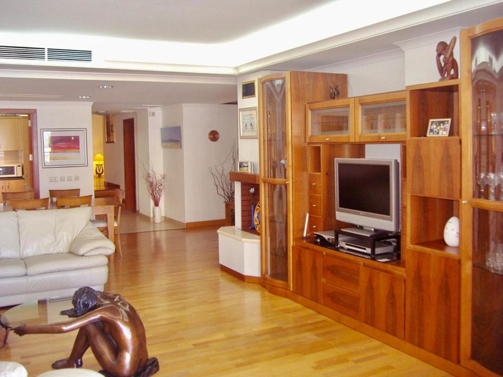 4 bed Apartment For Rent in St Julians, St Julian's - thumb 5