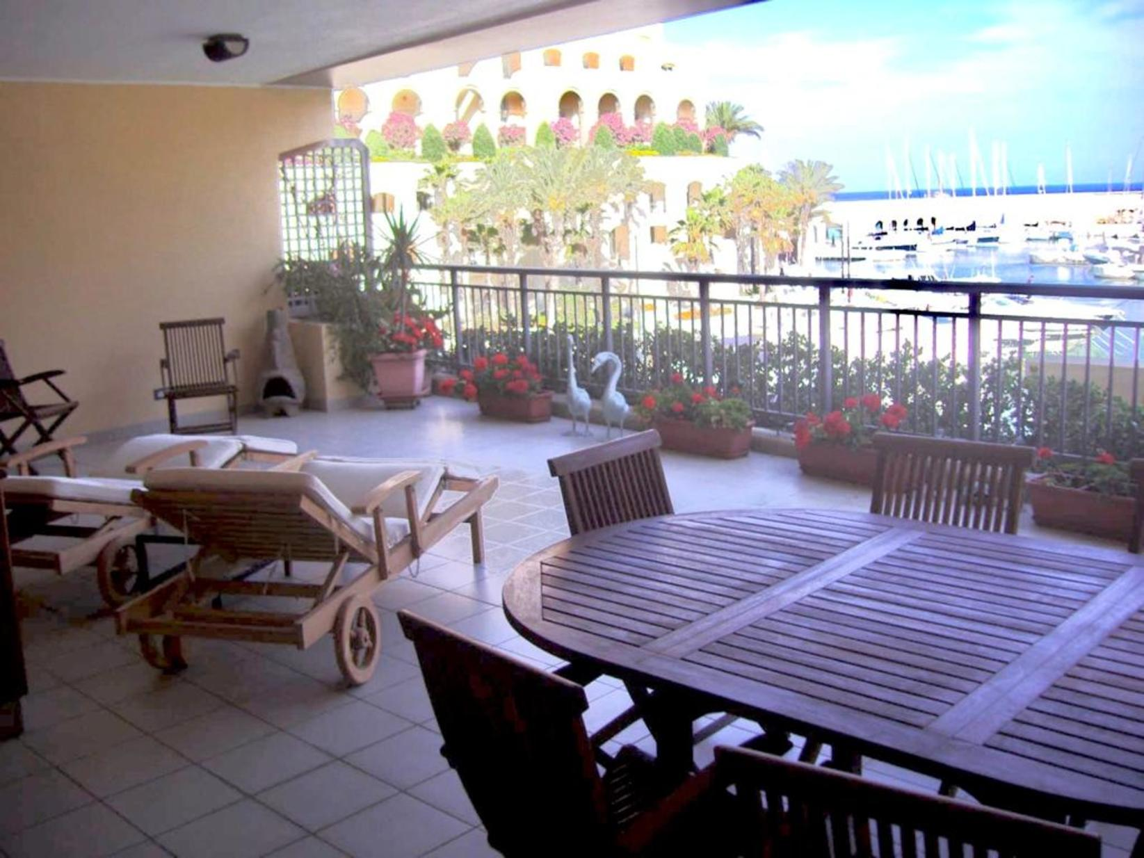 4 bed Apartment For Rent in St Julians, St Julian's - thumb 2