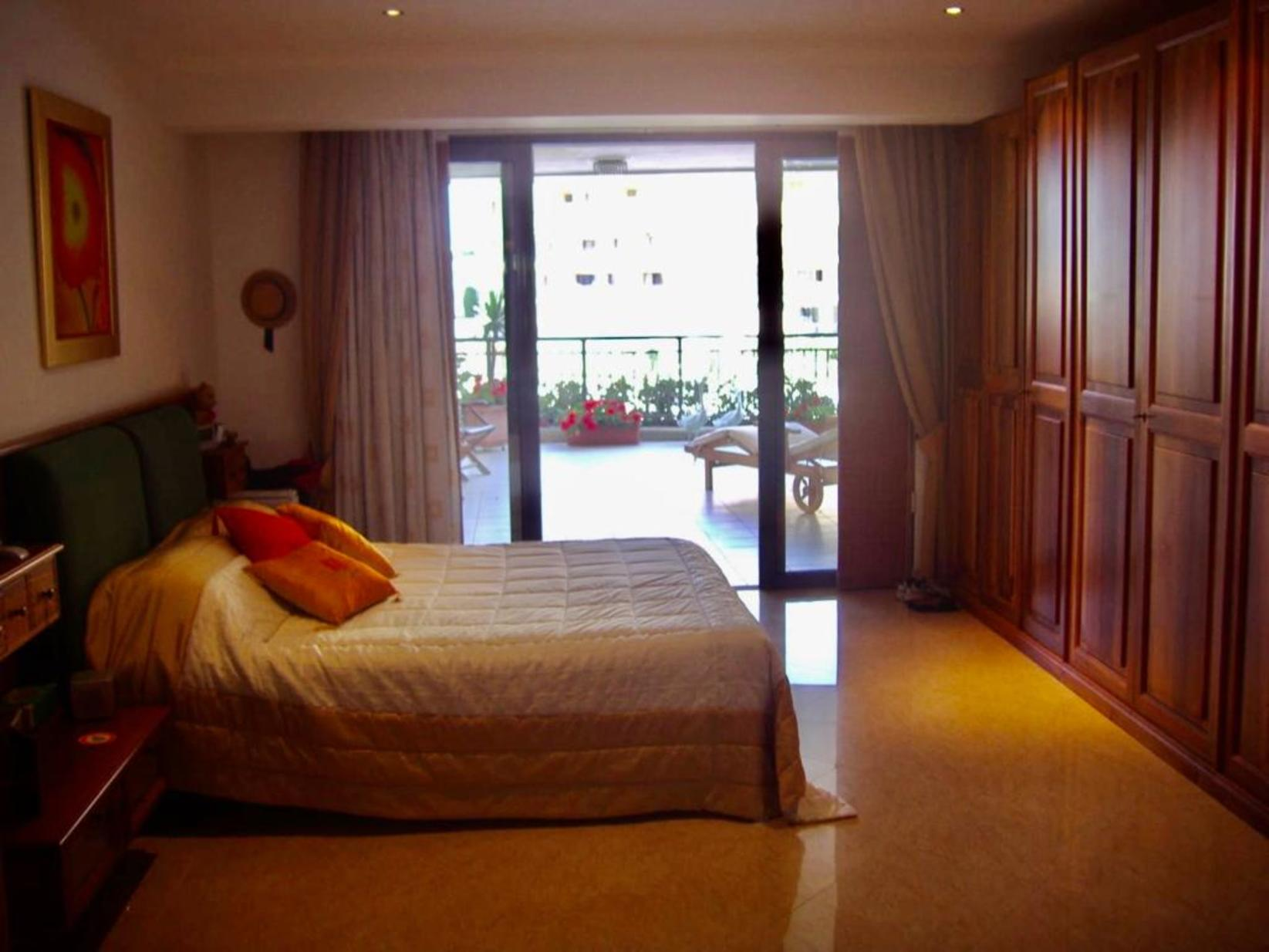 4 bed Apartment For Rent in St Julians, St Julian's - thumb 7