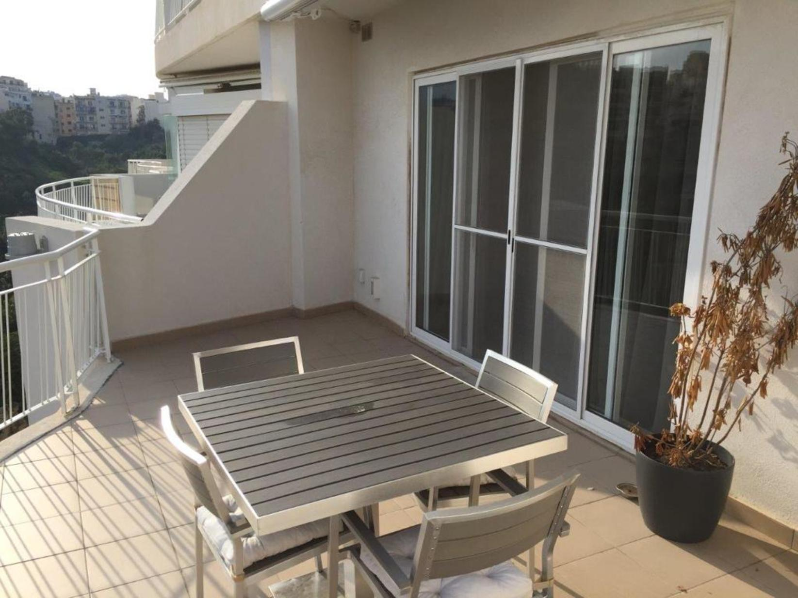 2 bed Apartment For Rent in St Julians, St Julian's - thumb 2