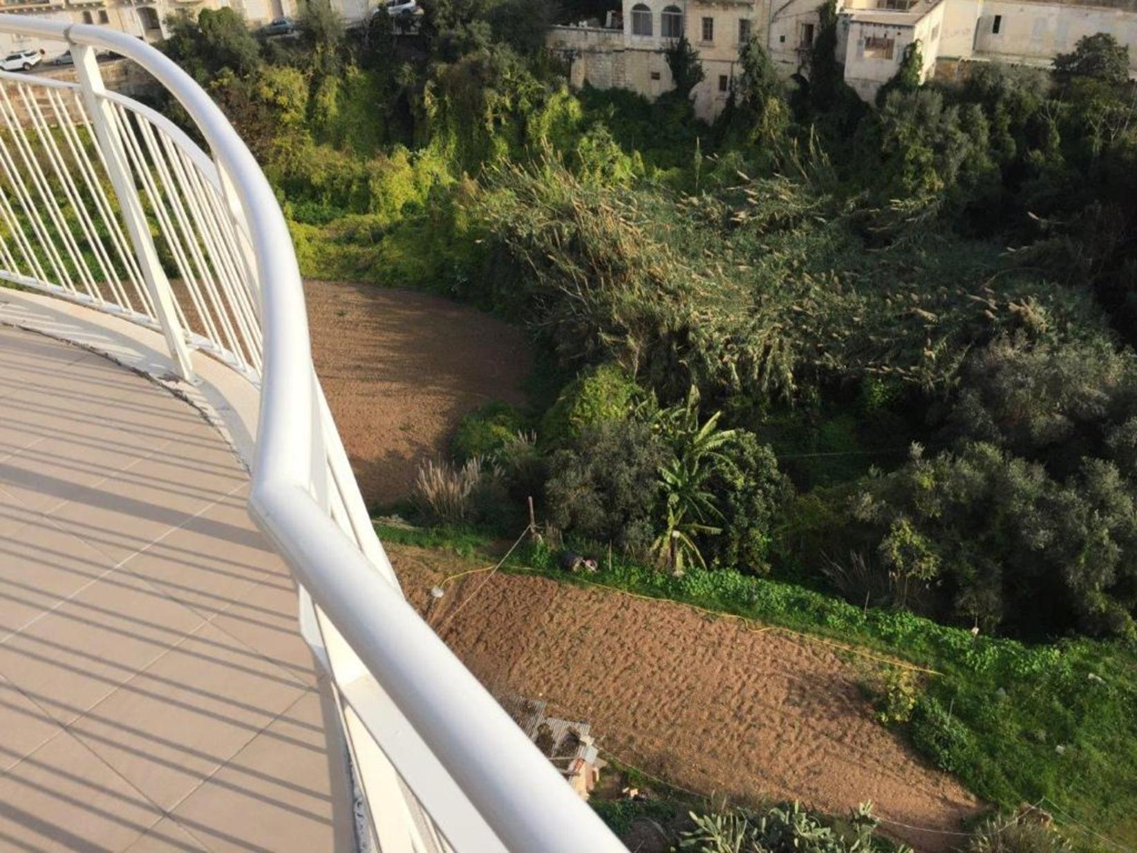 2 bed Apartment For Rent in St Julians, St Julian's - thumb 4