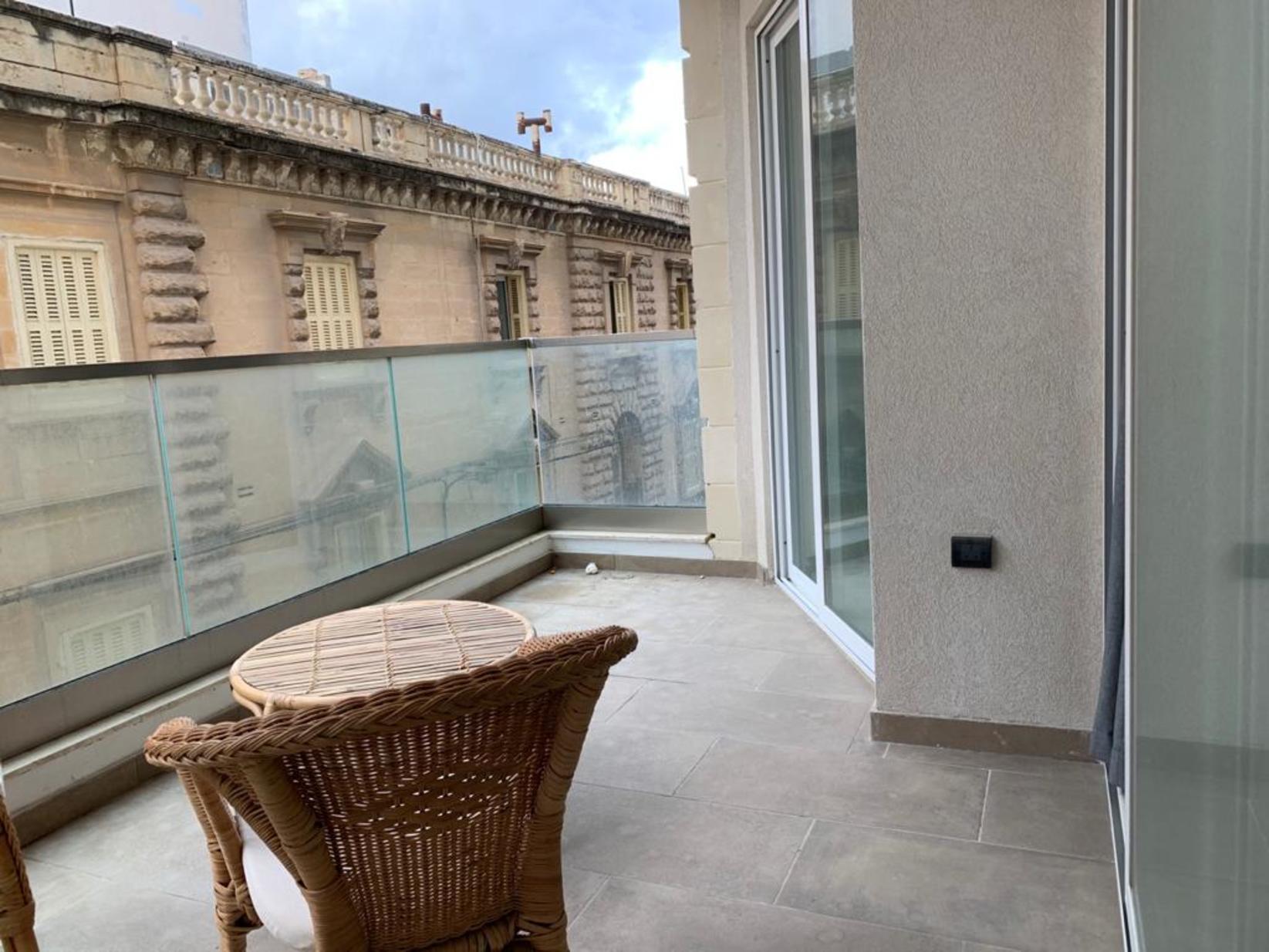 1 bed Apartment For Rent in Sliema, Sliema - thumb 16