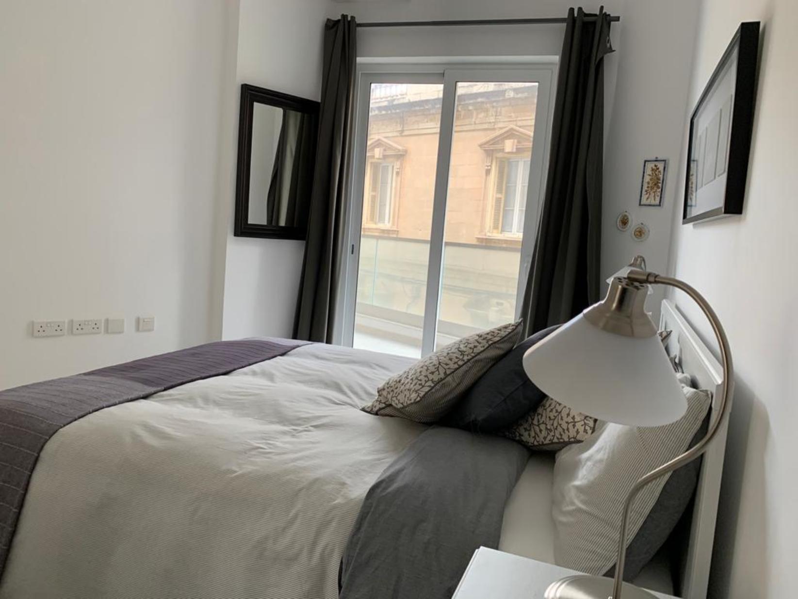 1 bed Apartment For Rent in Sliema, Sliema - thumb 11