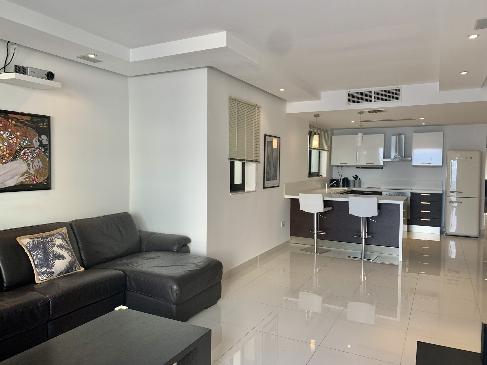 2 bed Penthouse For Rent in Sliema, Sliema - thumb 5