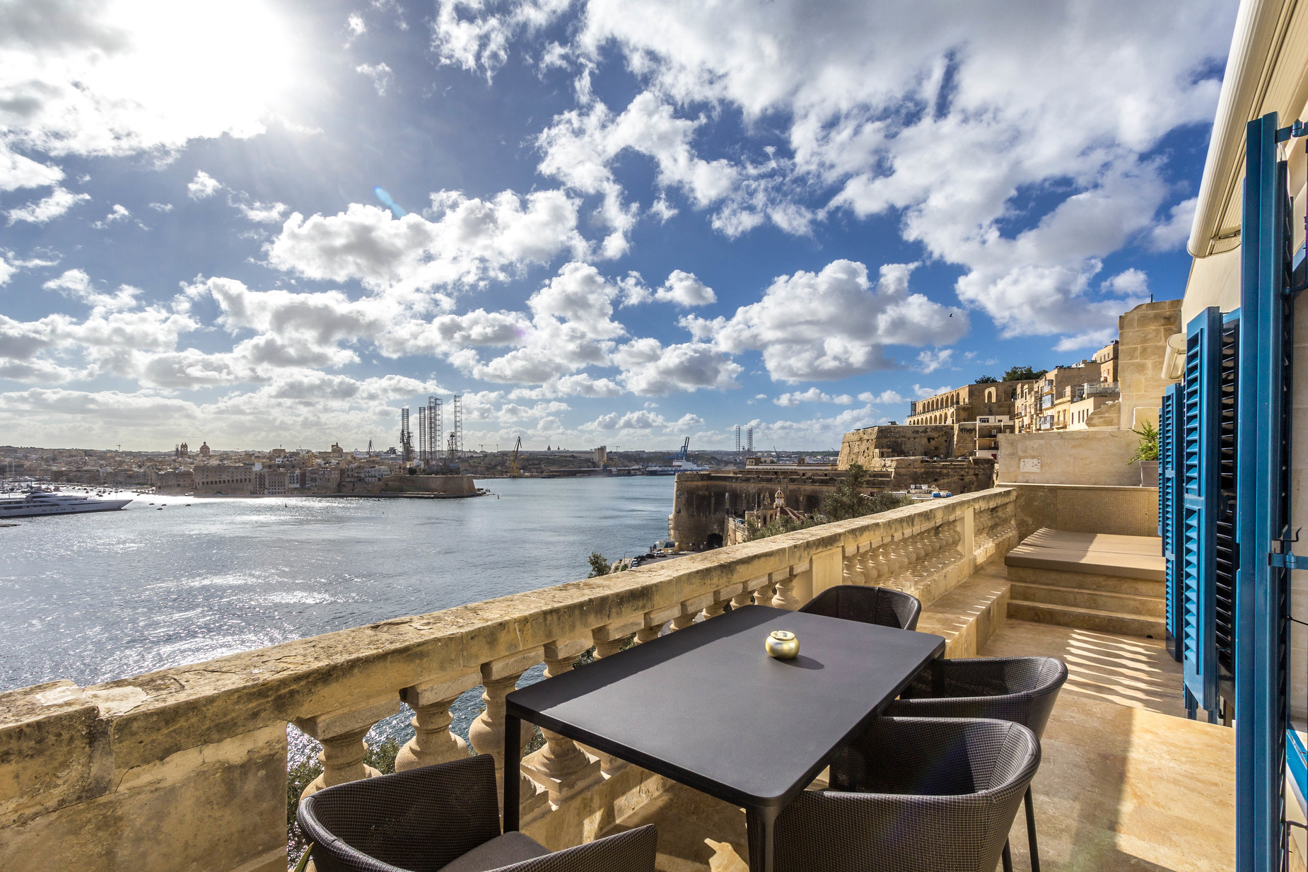 1 bed Penthouse For Rent in Valletta, Valletta - thumb 9