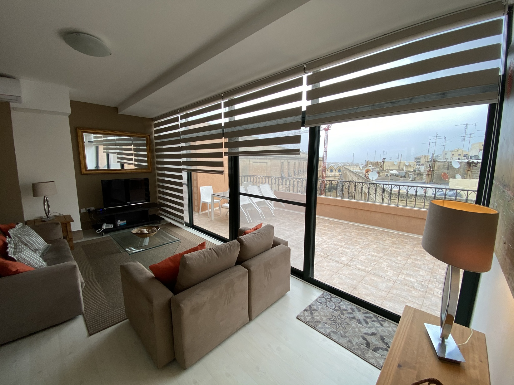 3 bed Penthouse For Rent in St. Julian's, St Julian's - thumb 4