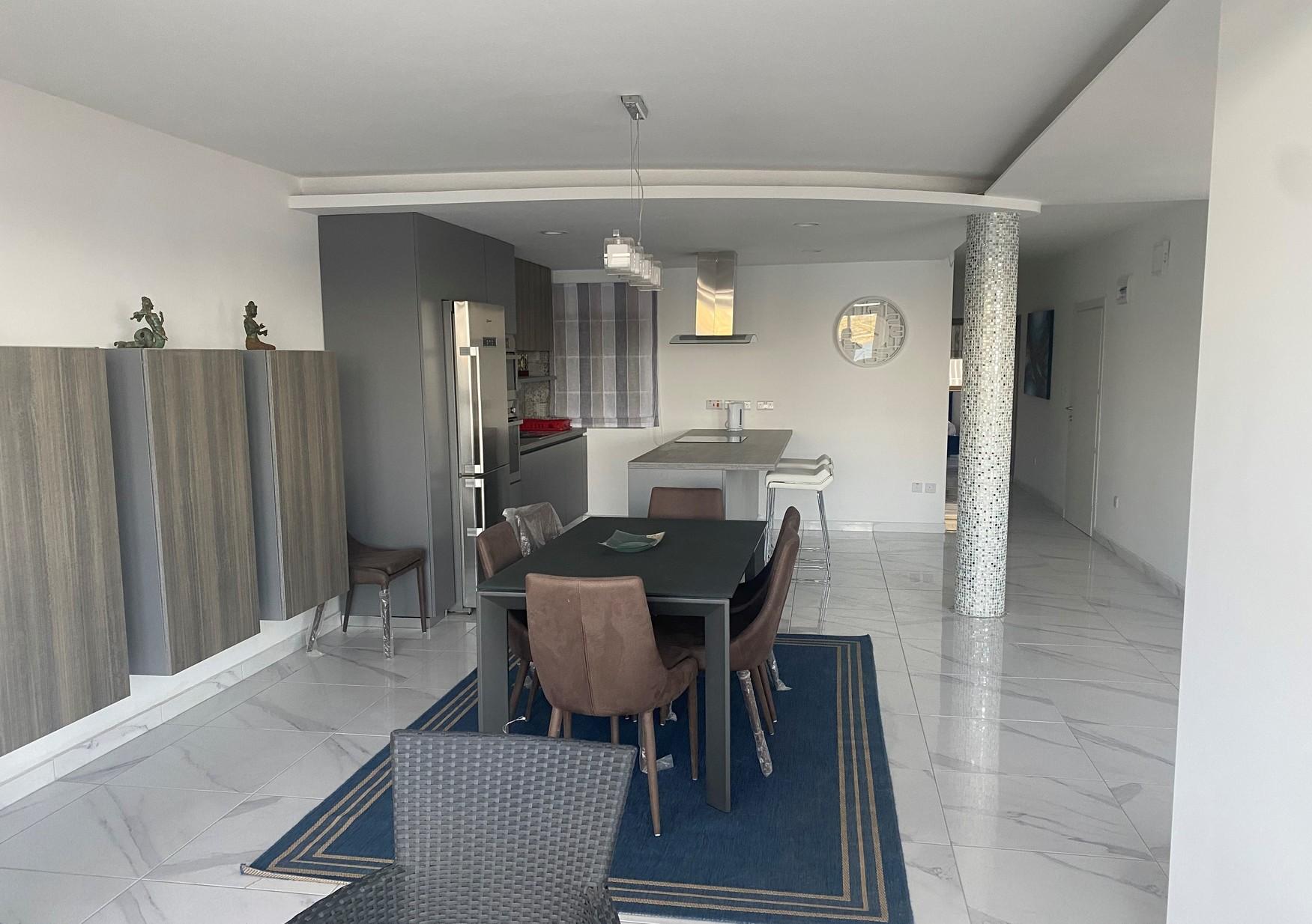 3 bed Apartment For Rent in Qawra, Qawra - thumb 5
