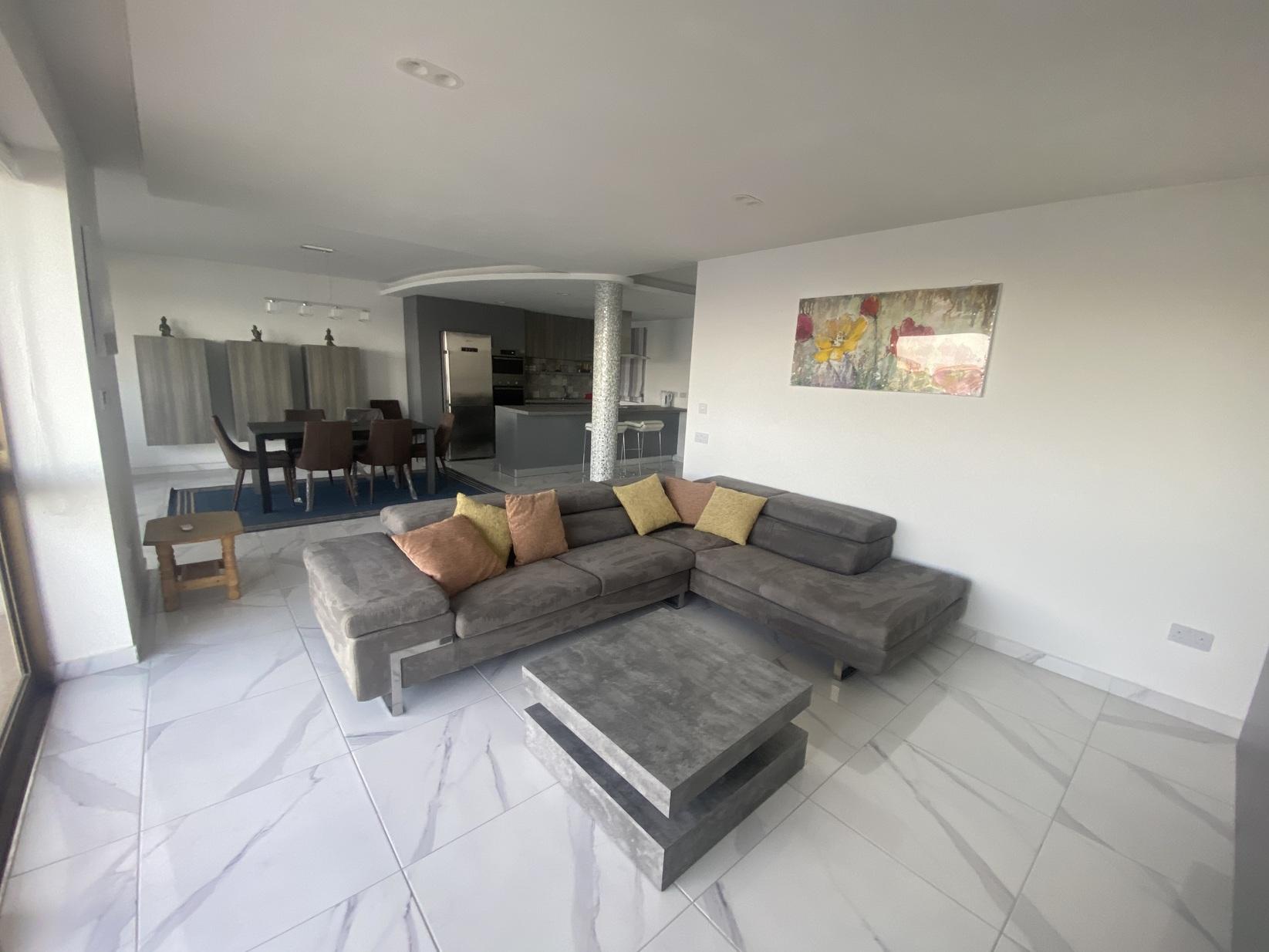 3 bed Apartment For Rent in Qawra, Qawra - thumb 7