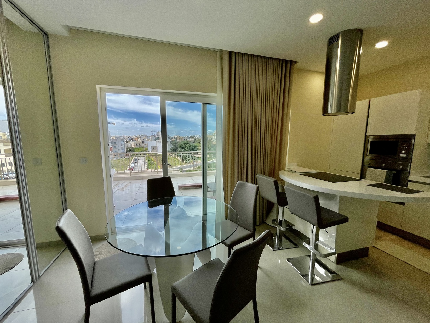 2 bed Penthouse For Rent in St. Julian's, St Julian's - thumb 4