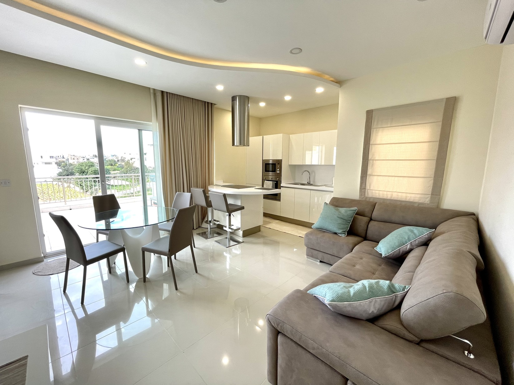 2 bed Penthouse For Rent in St. Julian's, St Julian's - thumb 2