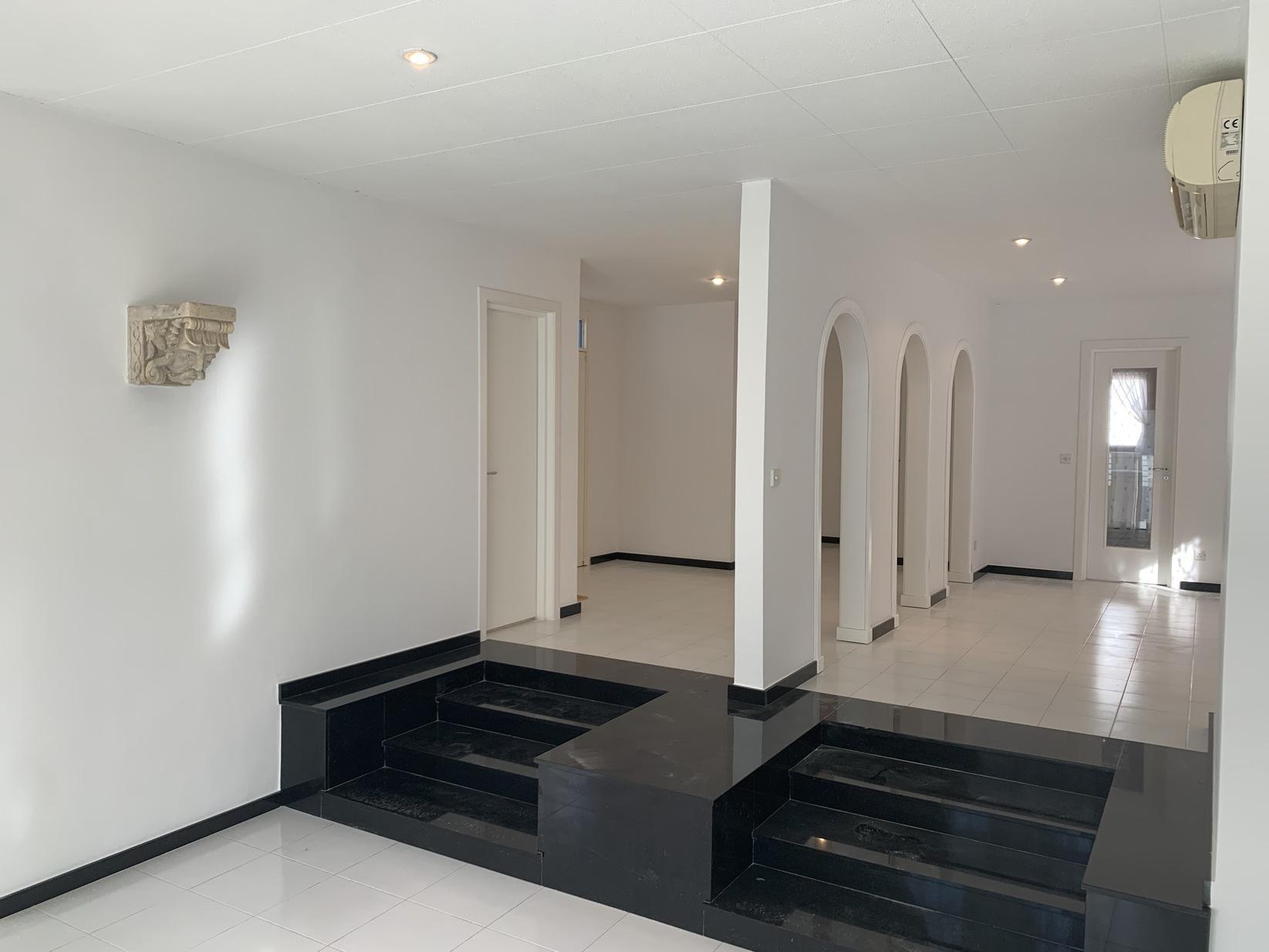 4 bed Villa For Rent in San-Pawl tat-Targa, Naxxar - thumb 3