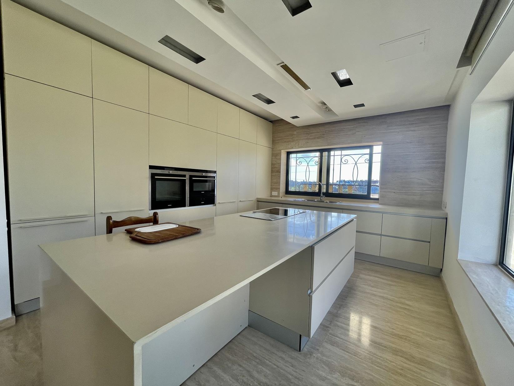6 bed Villa For Rent in Swieqi, Swieqi - thumb 9