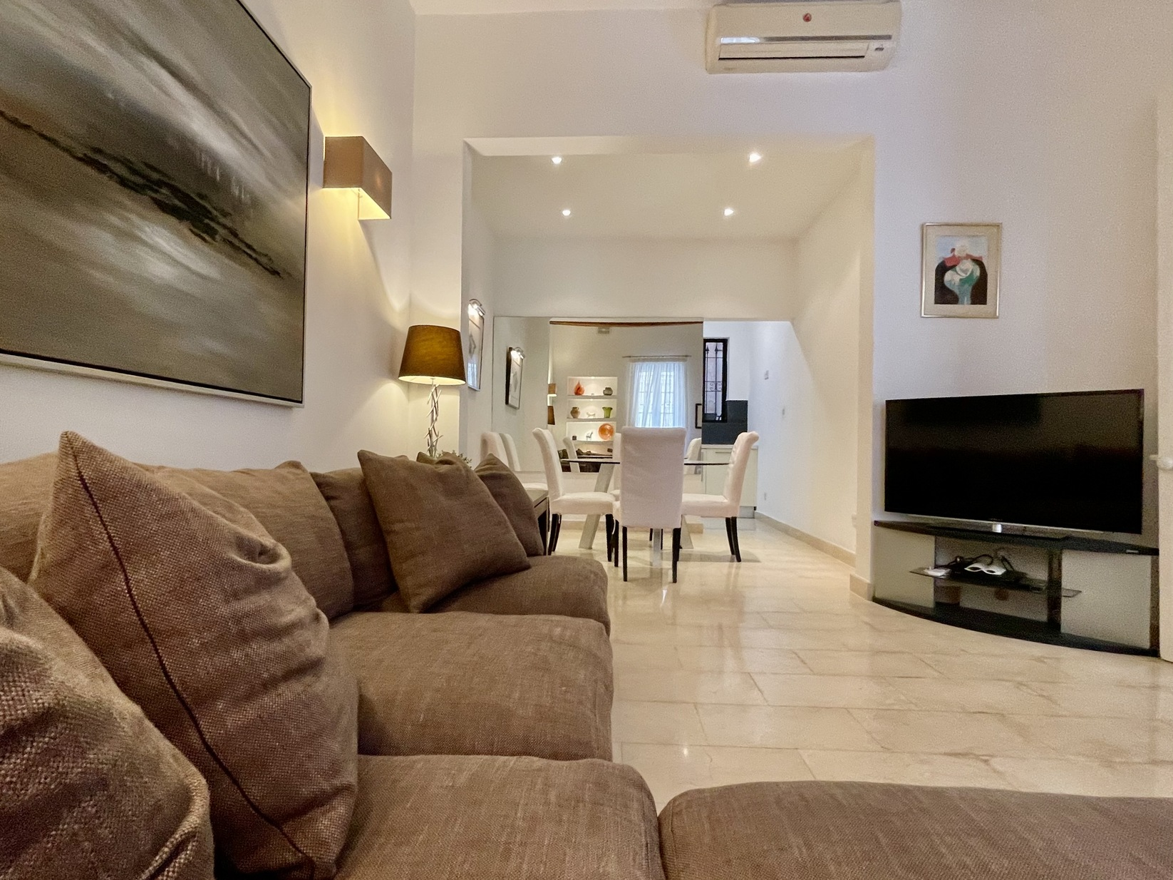 2 bed Town House For Rent in Sliema, Sliema - thumb 3