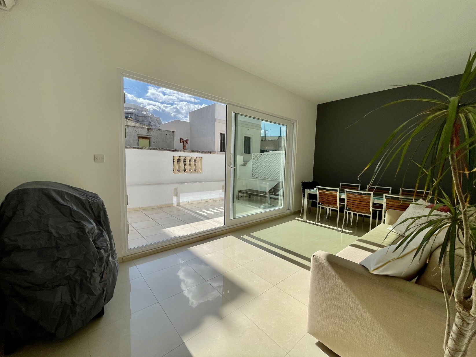 2 bed Town House For Rent in Sliema, Sliema - thumb 18