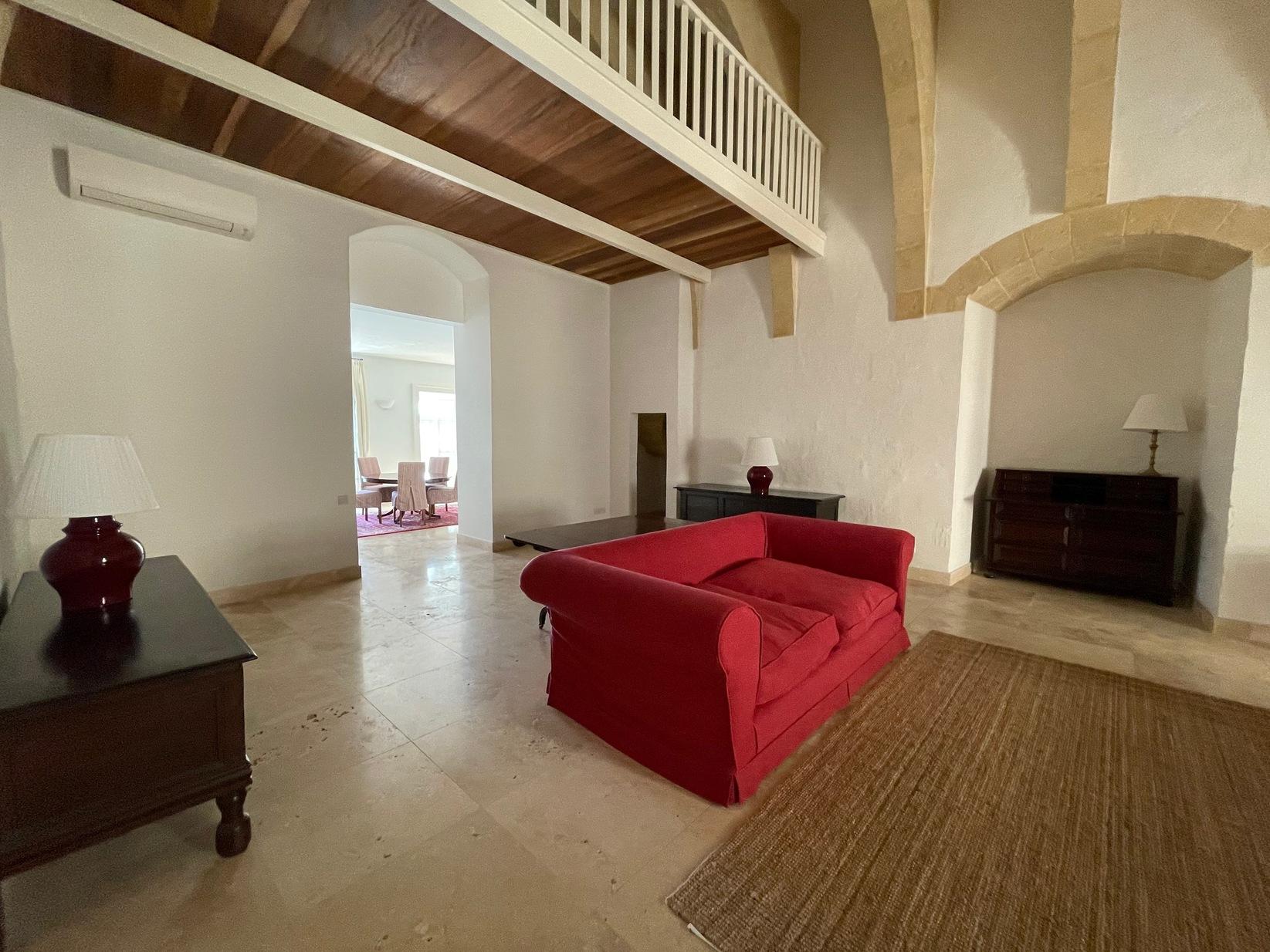 2 bed Maisonette For Rent in Valletta, Valletta - thumb 3