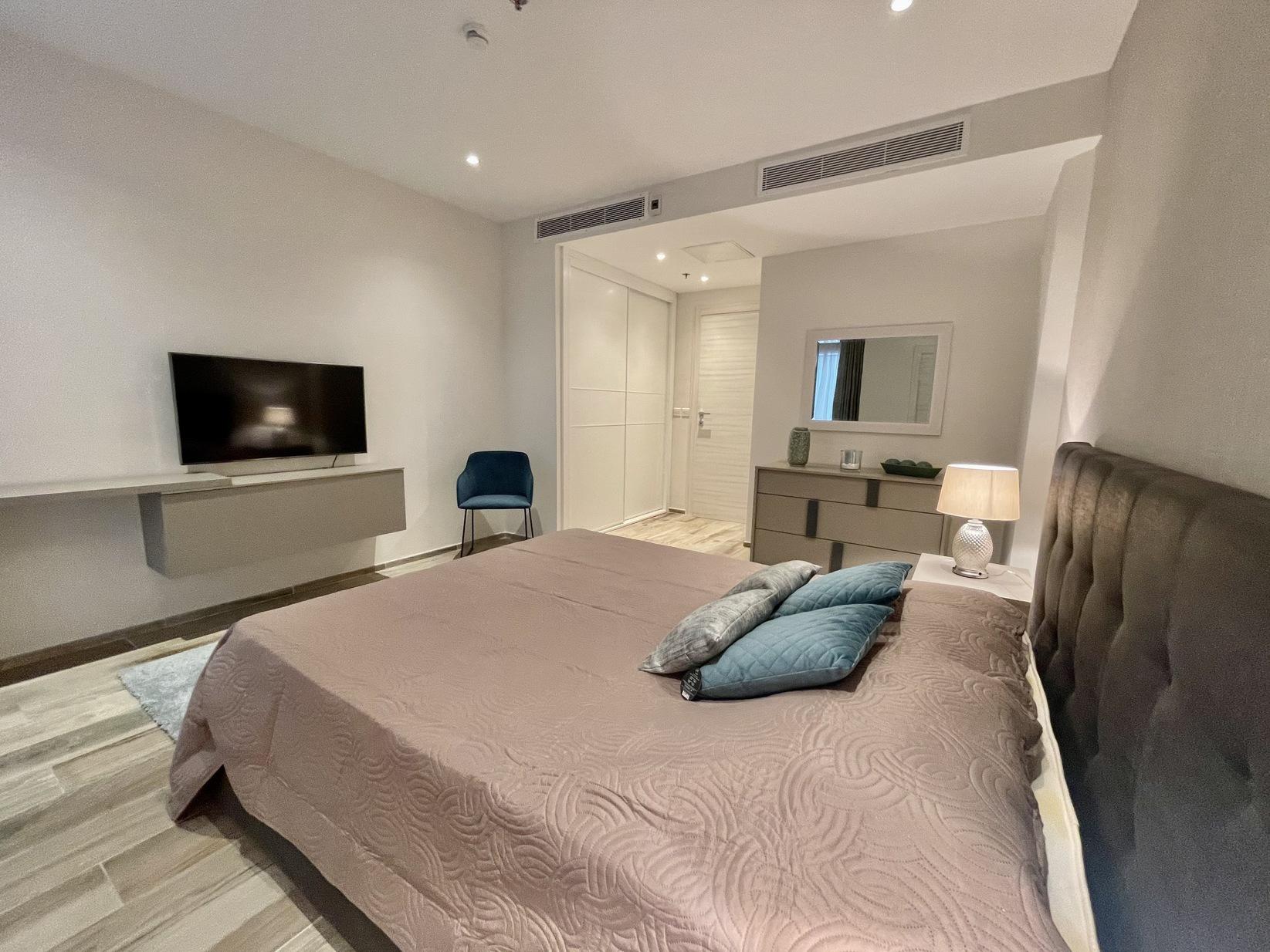 2 bed Apartment For Rent in Sliema, Sliema - thumb 19
