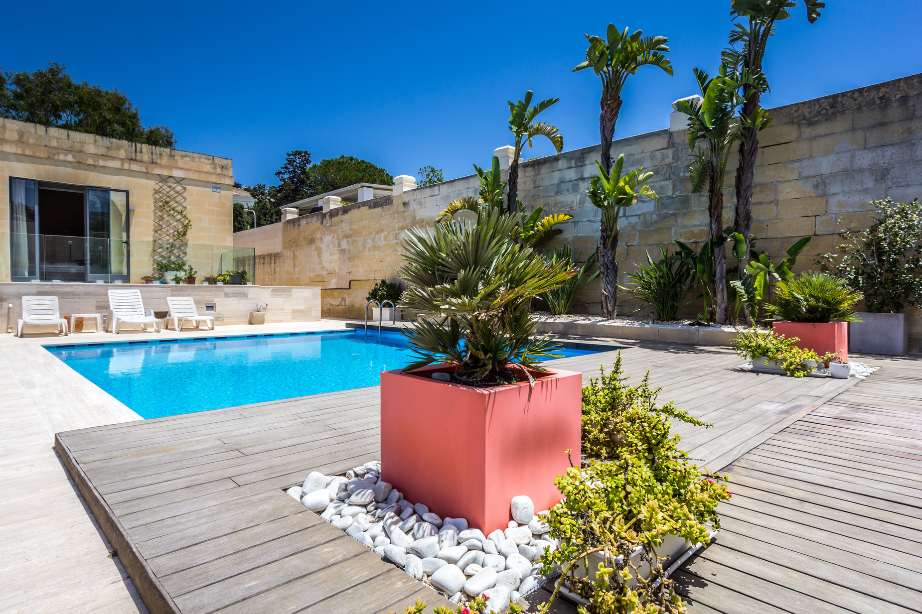 6 bed Villa For Rent in Mellieha,  - thumb 2