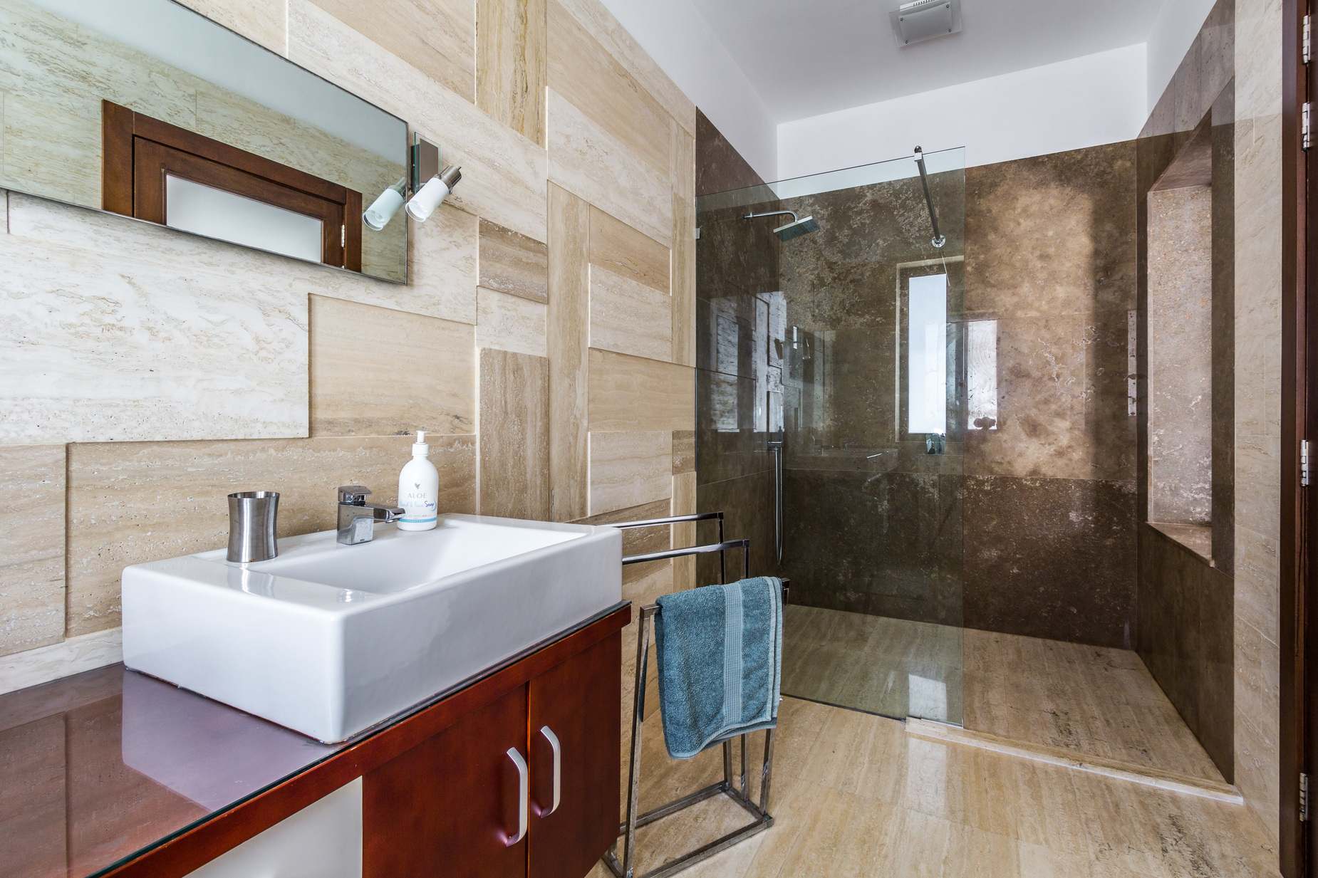6 bed Villa For Rent in Mellieha,  - thumb 9