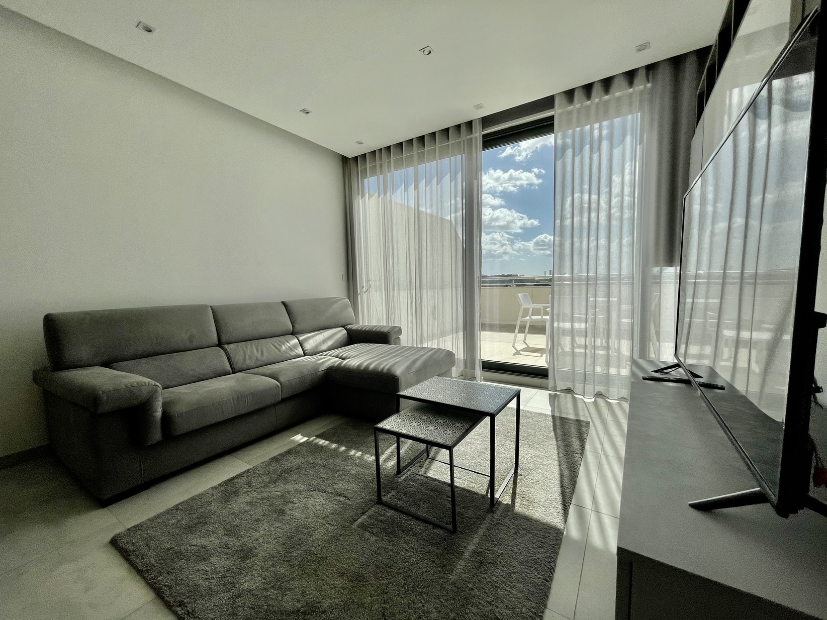 2 bed Penthouse For Rent in Sliema, Sliema - thumb 3