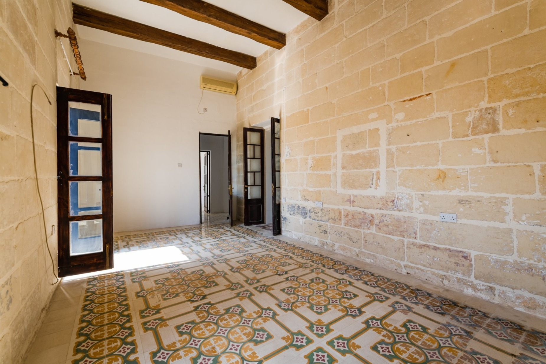 3 bed House of Character For Rent in Gharghur, Gharghur - thumb 5