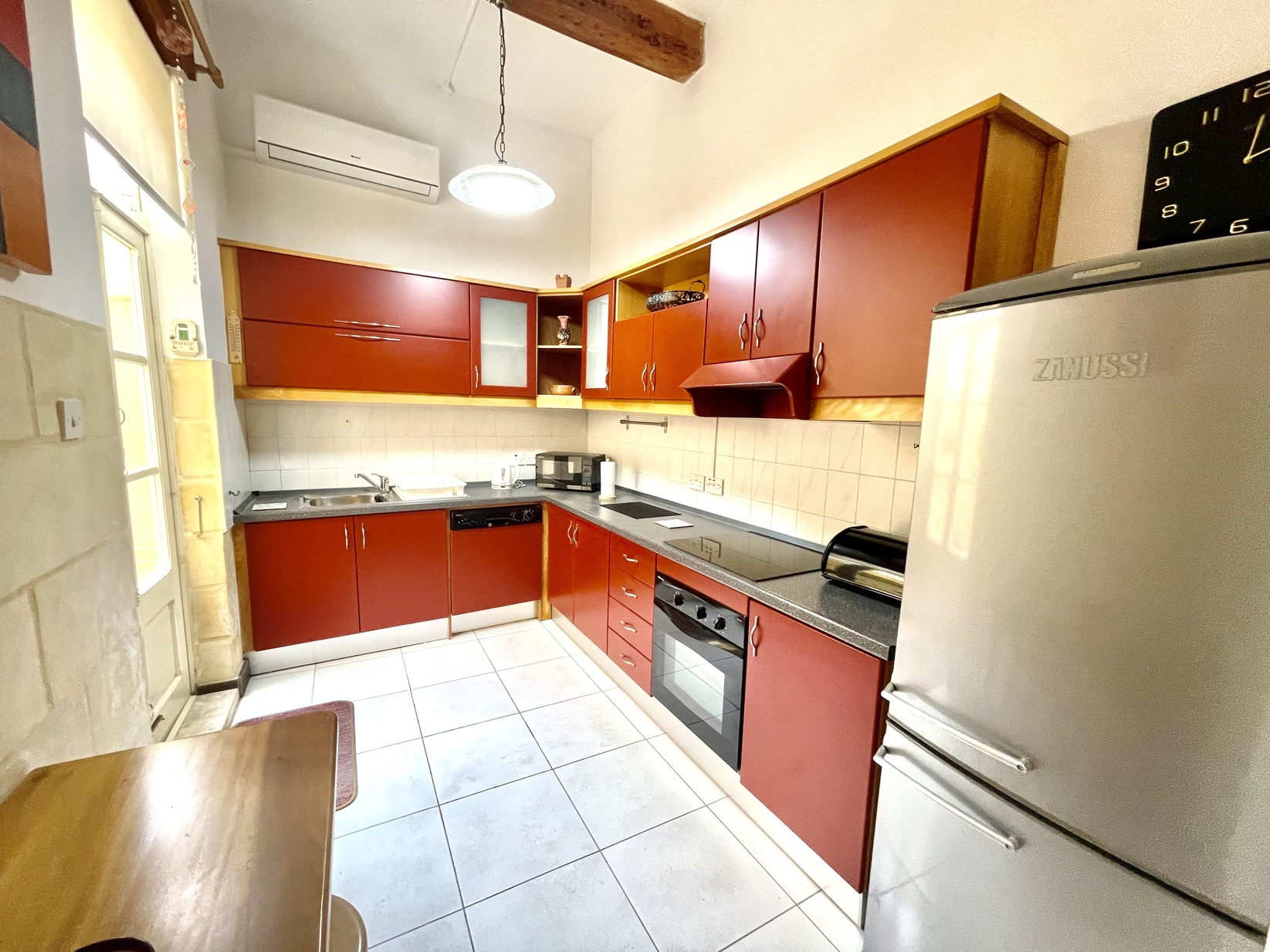 2 bed Town House For Rent in Sliema, Sliema - thumb 5