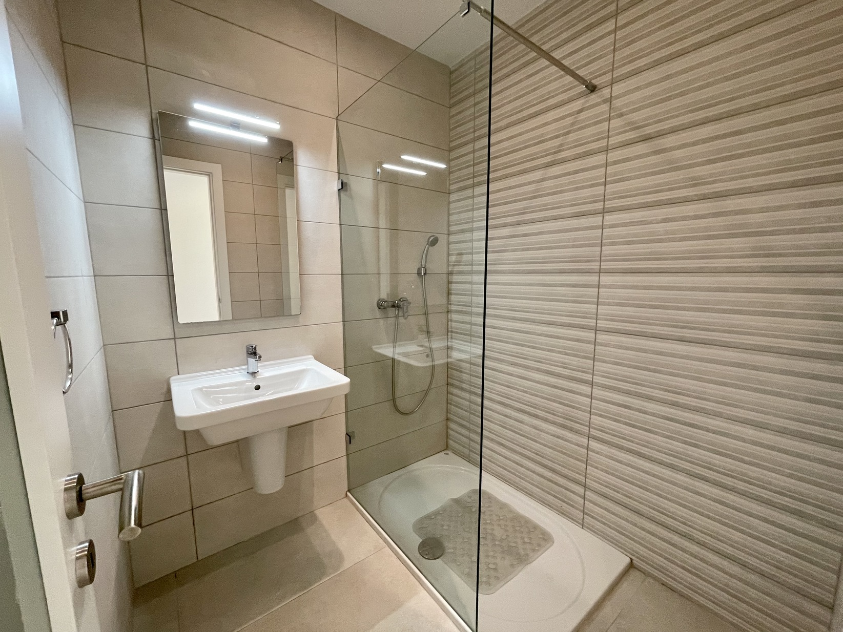 2 bed Penthouse For Rent in Swieqi, Swieqi - thumb 7