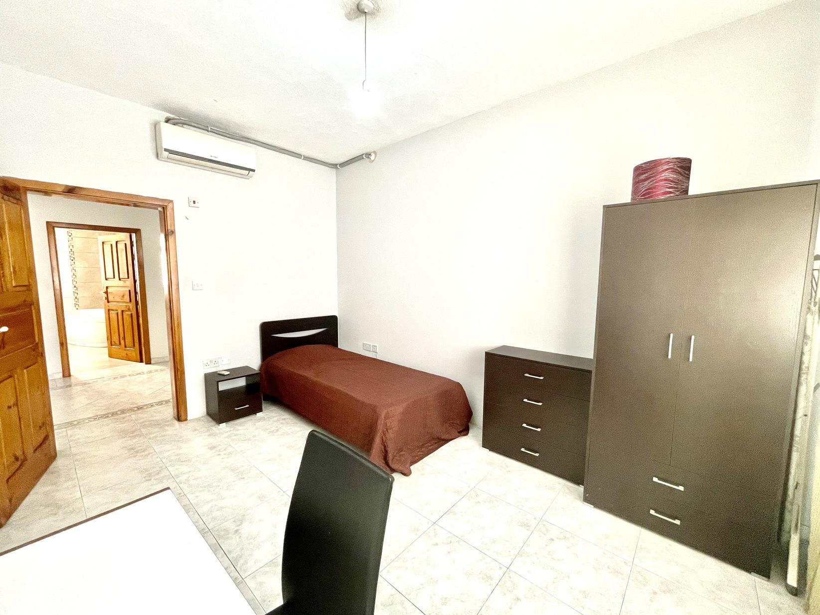 4 bed Maisonette For Rent in Gzira, Gzira - thumb 10