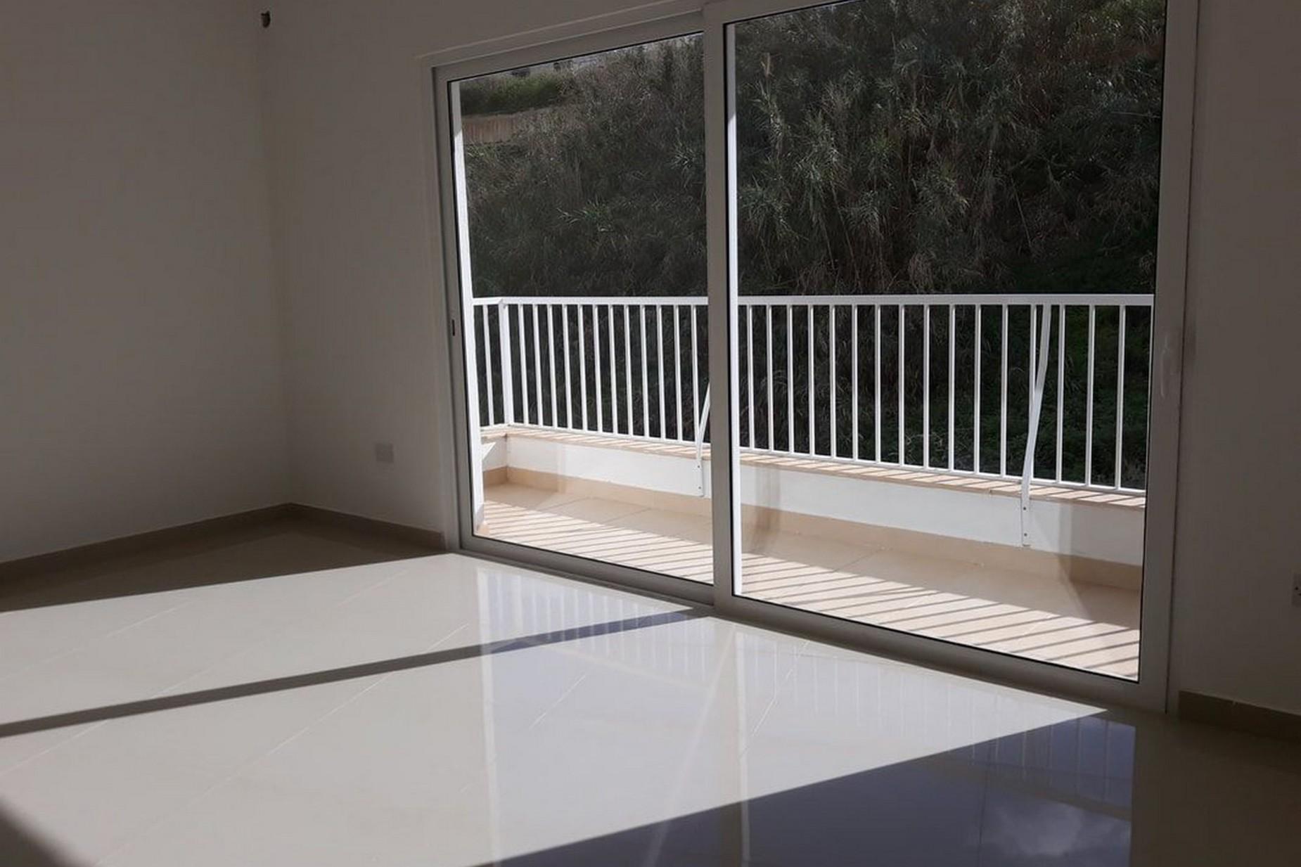 3 bed Apartment For Sale in Xemxija, Xemxija - thumb 5