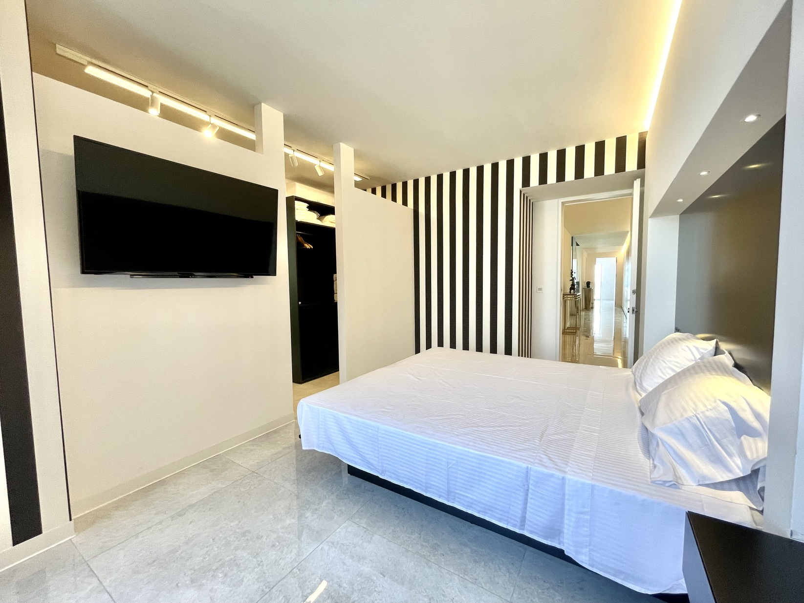 3 bed Penthouse For Rent in Sliema, Sliema - thumb 16