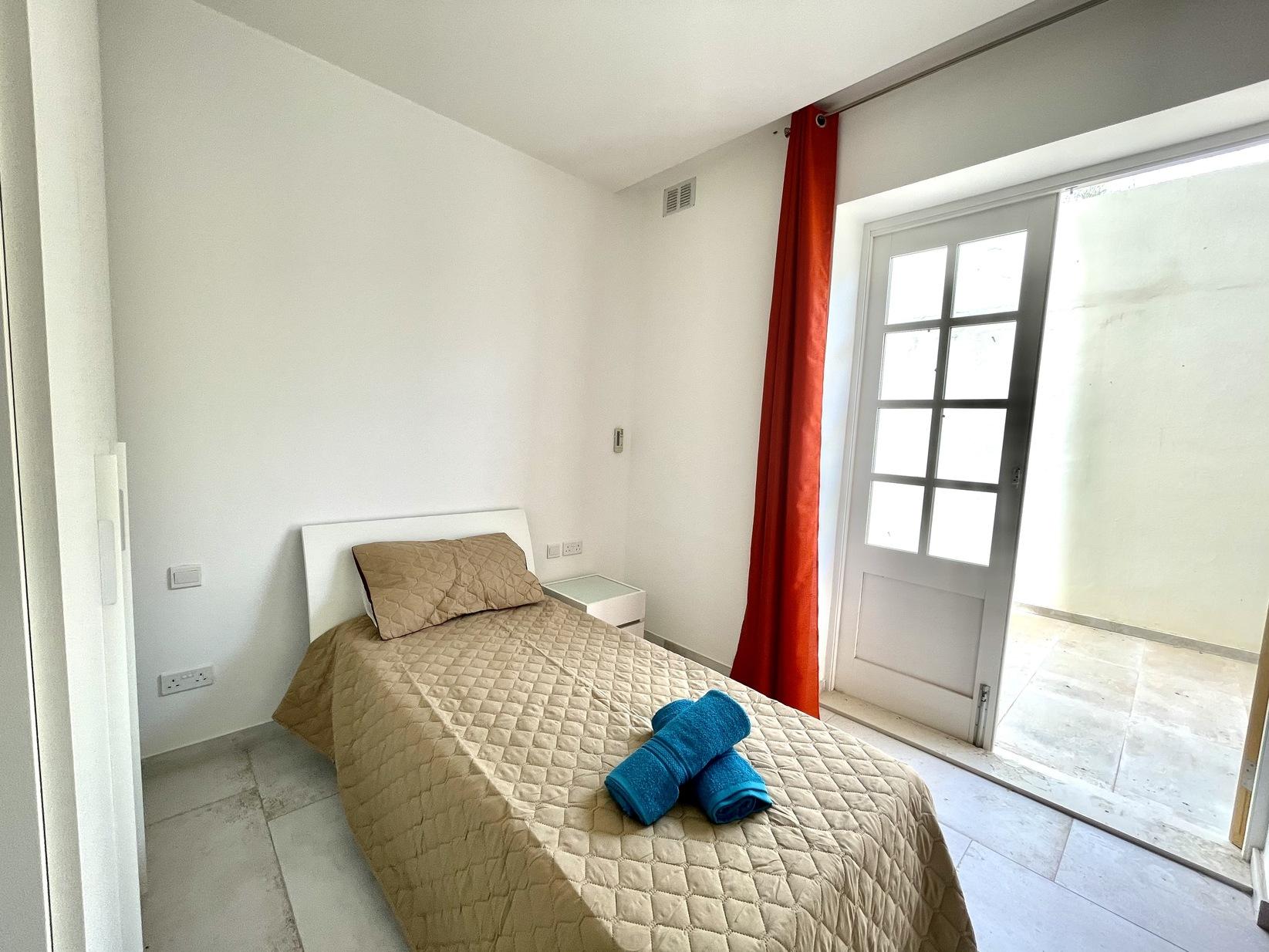 3 bed Apartment For Rent in Kalkara, Kalkara - thumb 12
