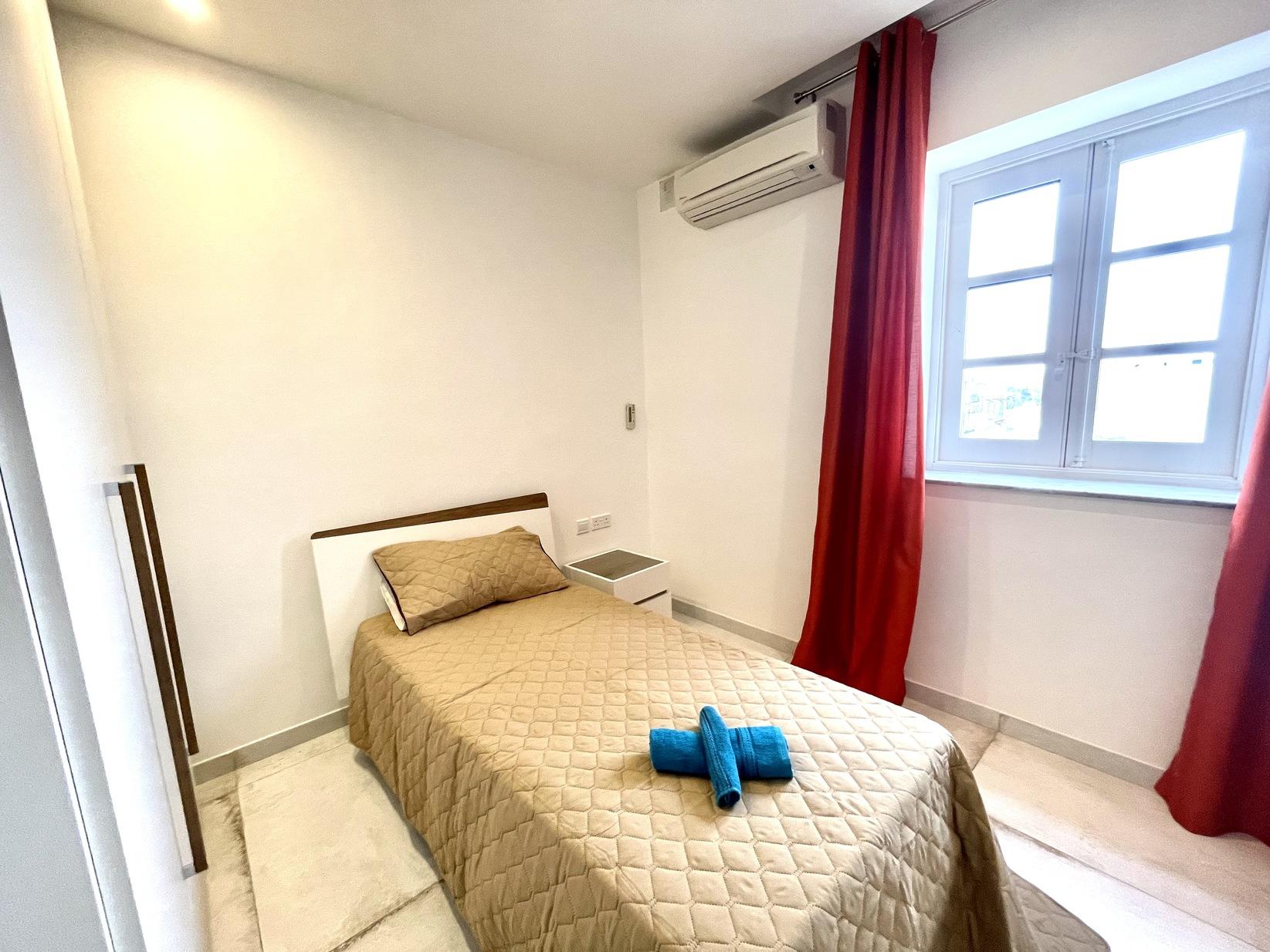 3 bed Apartment For Rent in Kalkara, Kalkara - thumb 14