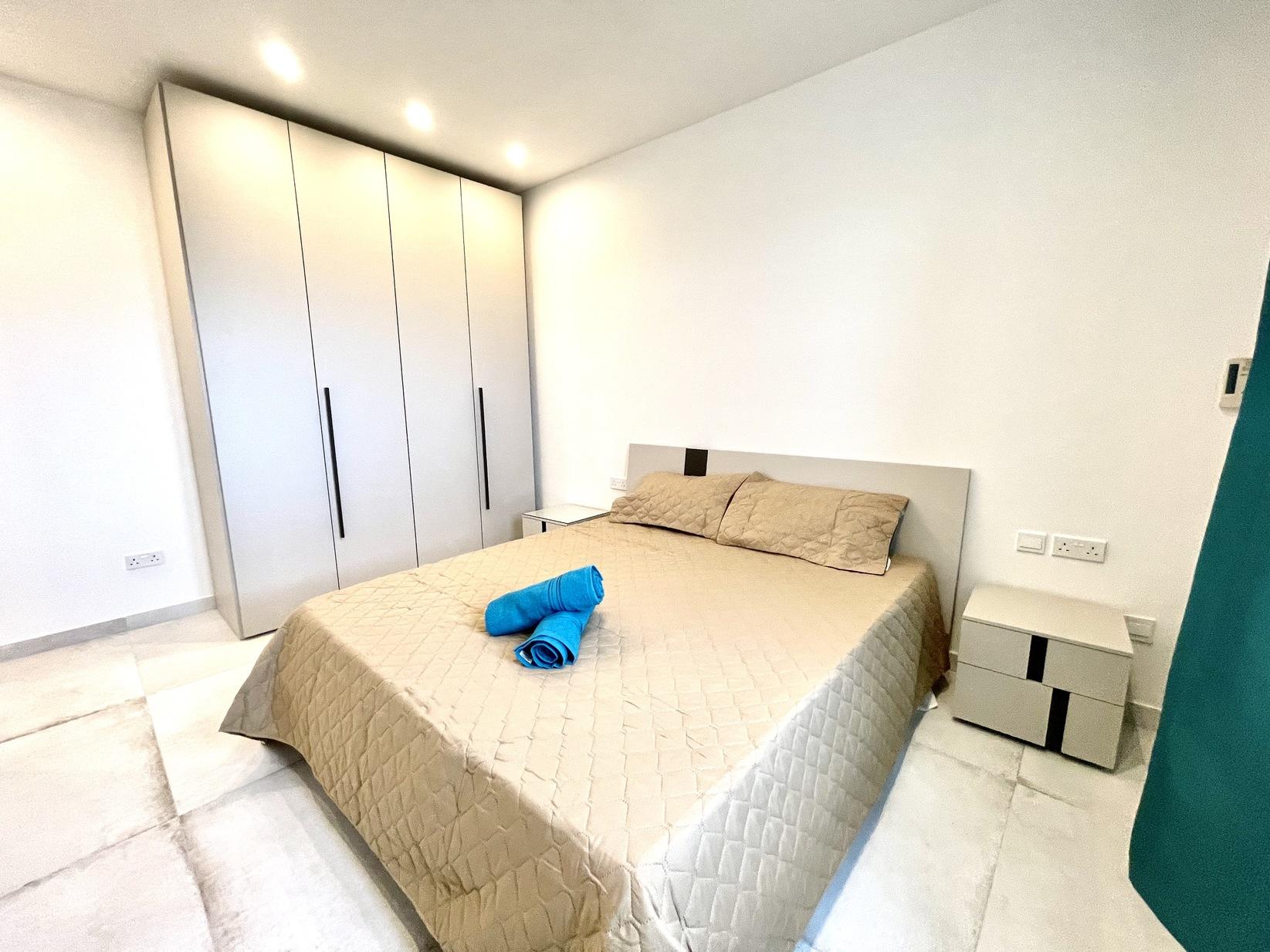 3 bed Apartment For Rent in Kalkara, Kalkara - thumb 13