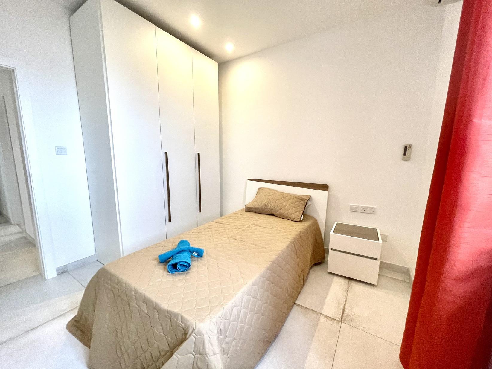 3 bed Apartment For Rent in Kalkara, Kalkara - thumb 15