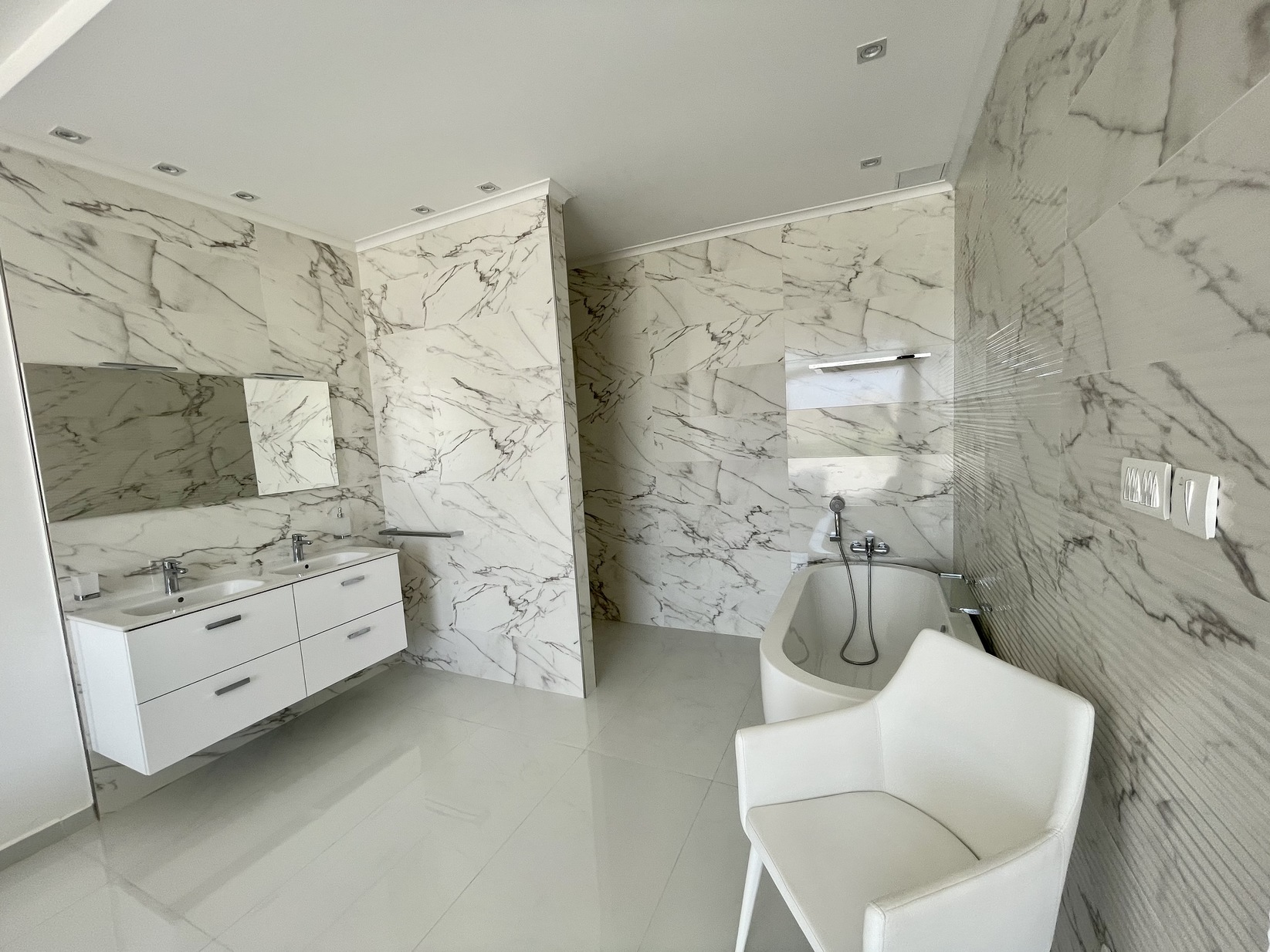 2 bed Penthouse For Rent in Zejtun, Zejtun - thumb 18