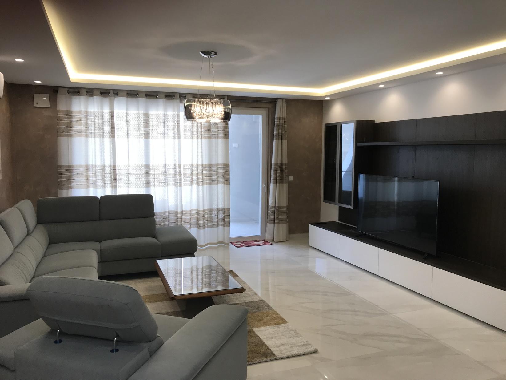 3 bed Apartment For Rent in Qawra, Qawra - thumb 11