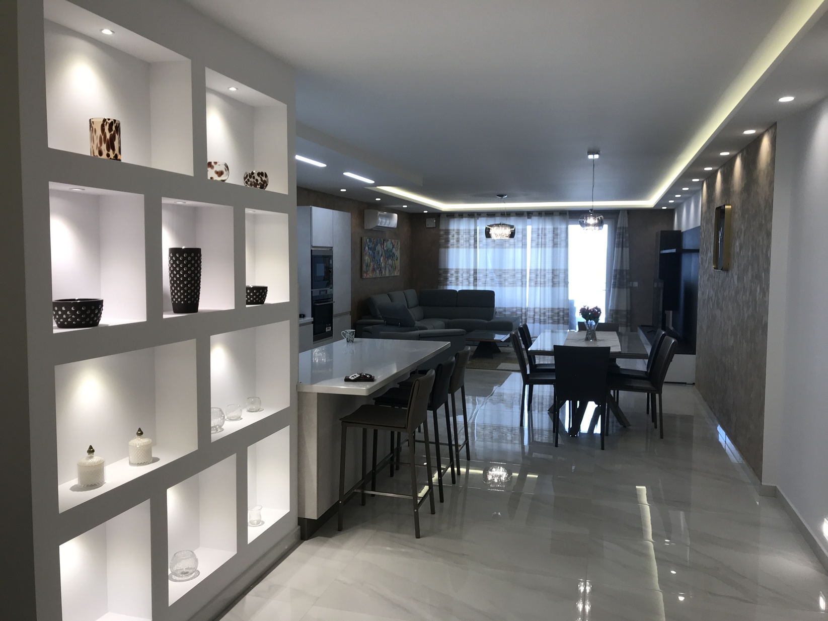 3 bed Apartment For Rent in Qawra, Qawra - thumb 3