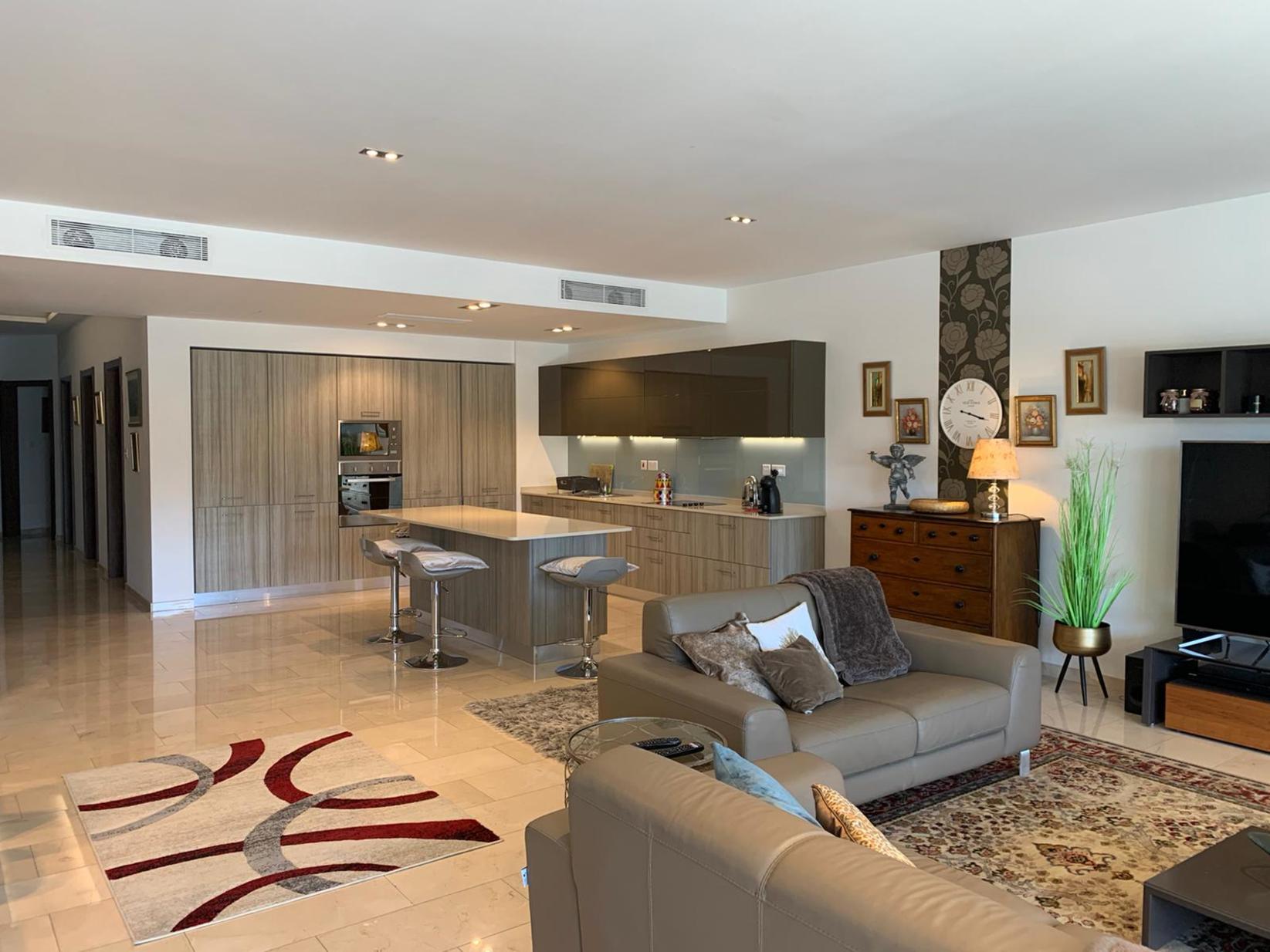 3 bed Apartment For Rent in Ta' Xbiex, Ta' Xbiex - thumb 6