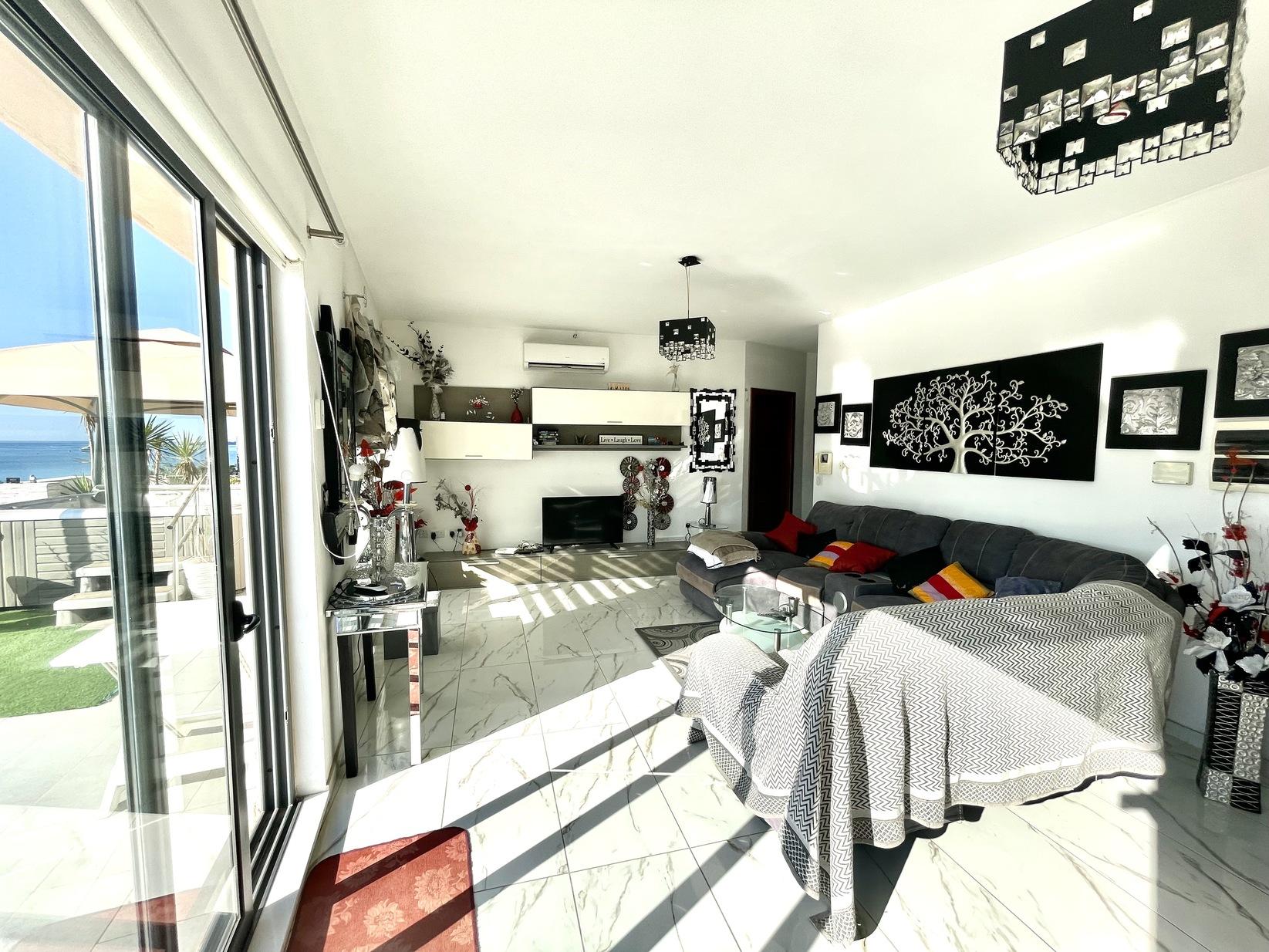 4 bed Penthouse For Rent in Marsaxlokk, Marsaxlokk - thumb 4