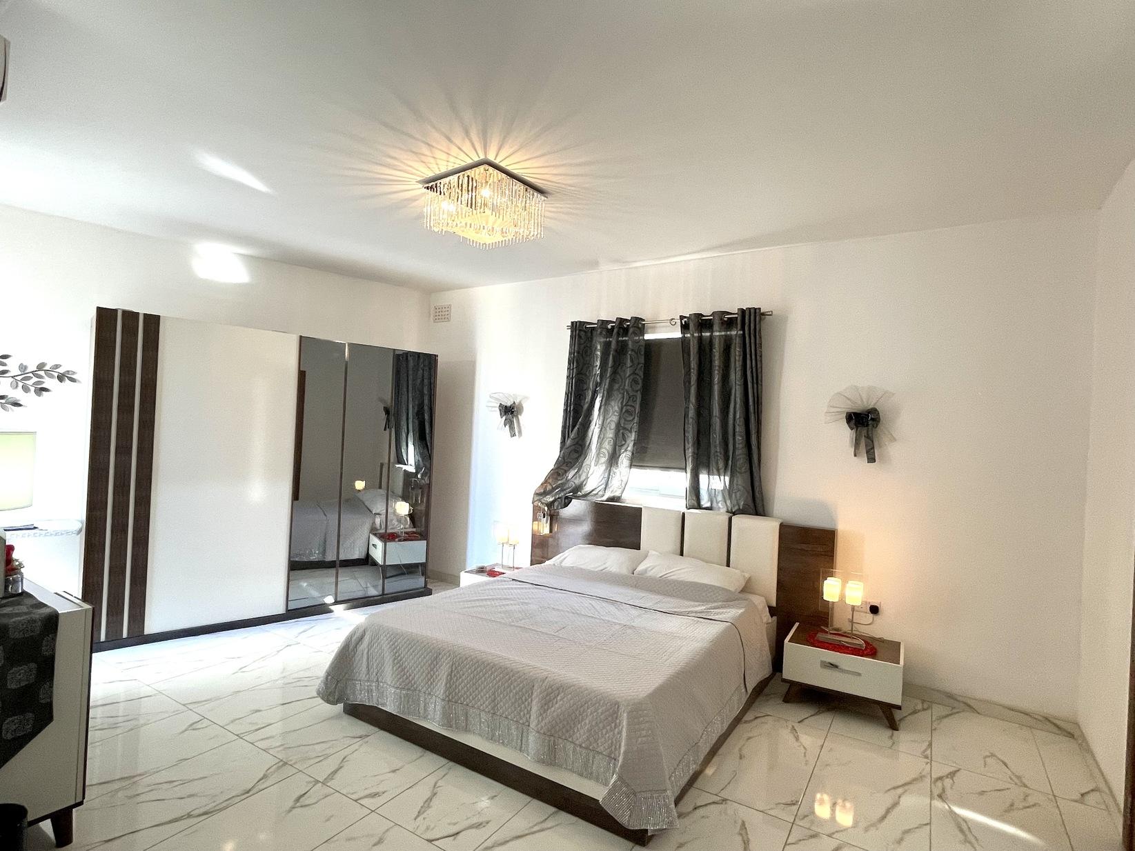 4 bed Penthouse For Rent in Marsaxlokk, Marsaxlokk - thumb 9
