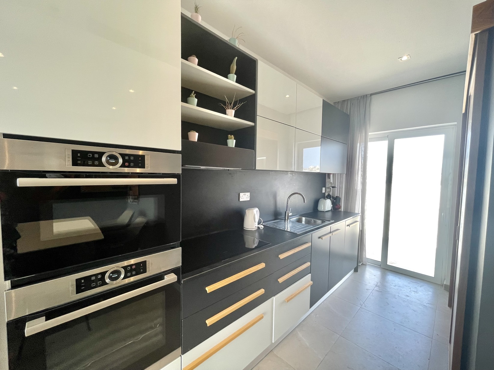 1 bed Penthouse For Rent in Sliema, Sliema - thumb 7