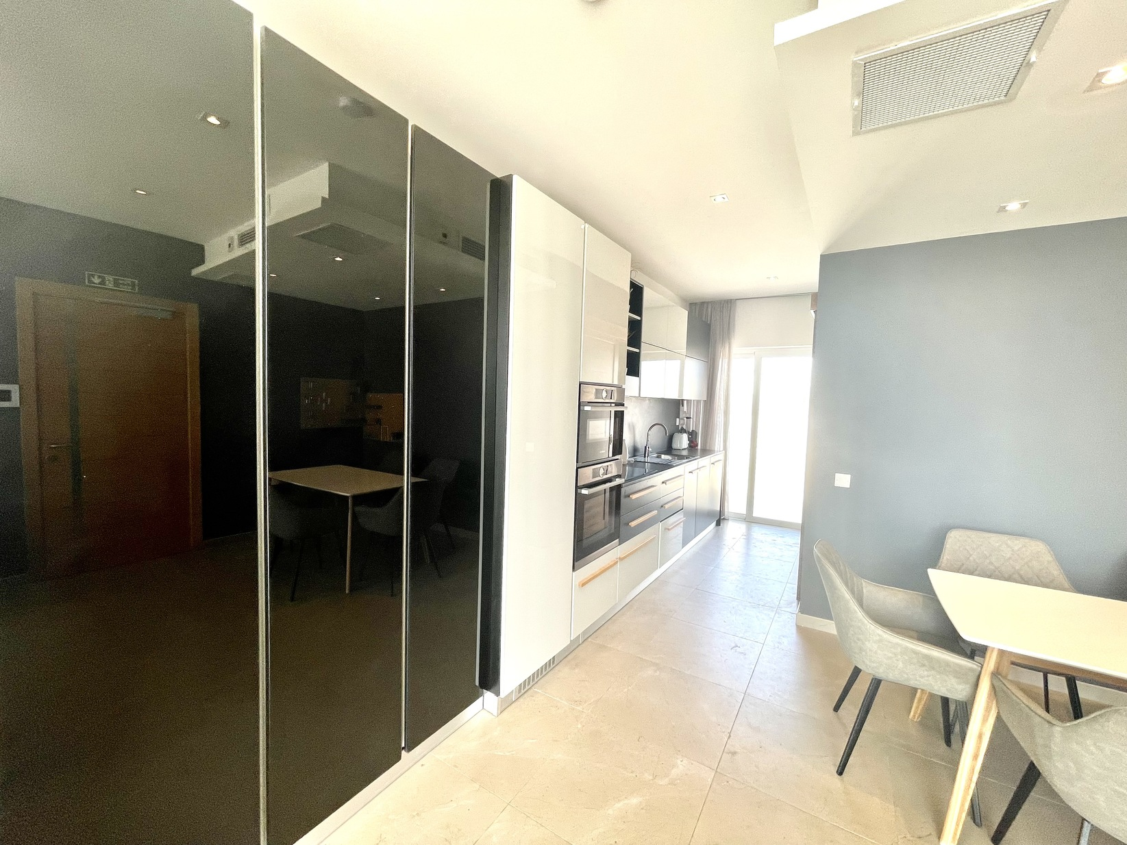 1 bed Penthouse For Rent in Sliema, Sliema - thumb 6