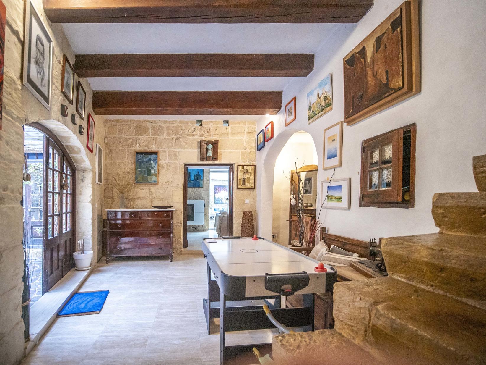 4 bed House of Character For Sale in Ghaxaq, Ghaxaq - thumb 2