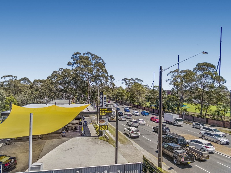 Landmark Sydney Car Wash on Busy Pennant Hills Road