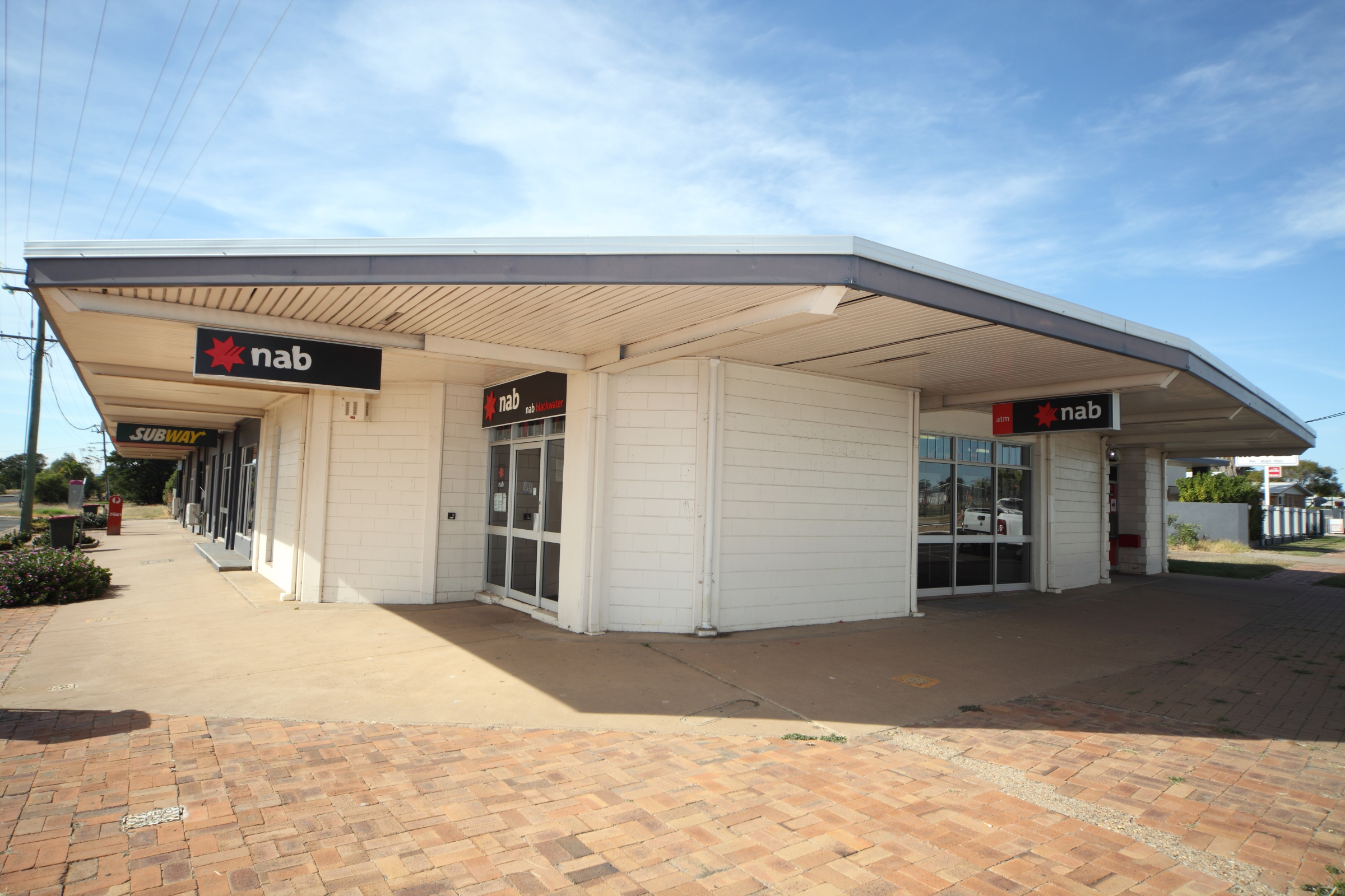 High Yielding Bank Investment – $800K Buyers. Occupied 20 Years – Recent Refurbishment.