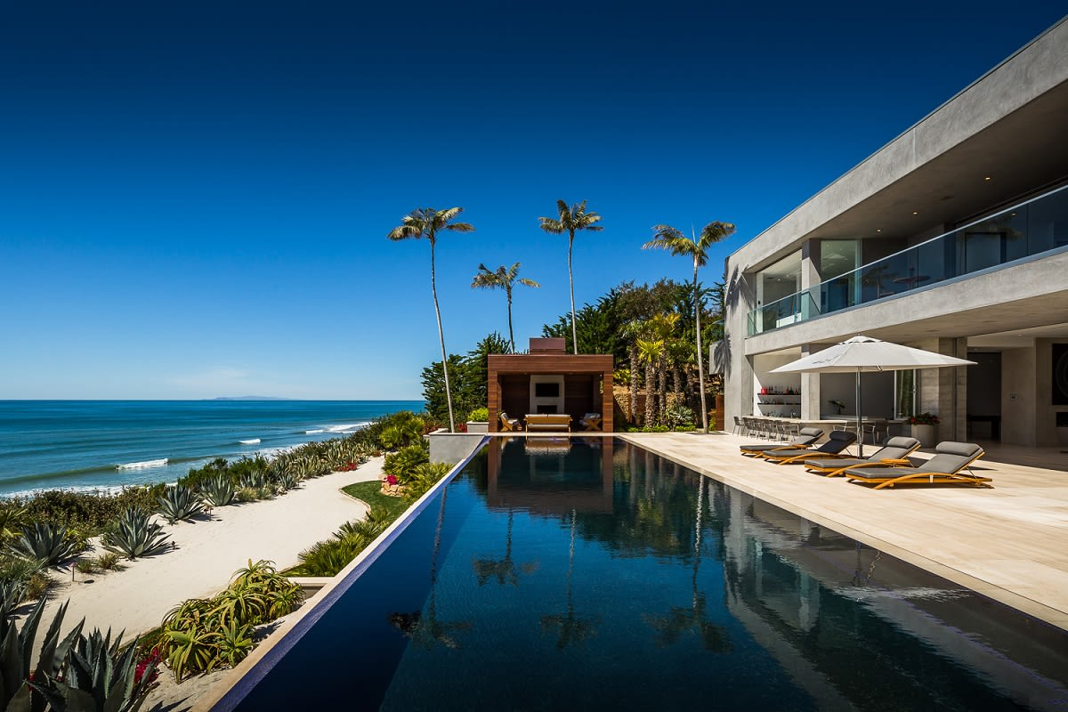 luxury home at 11846 ellice street malibu ca