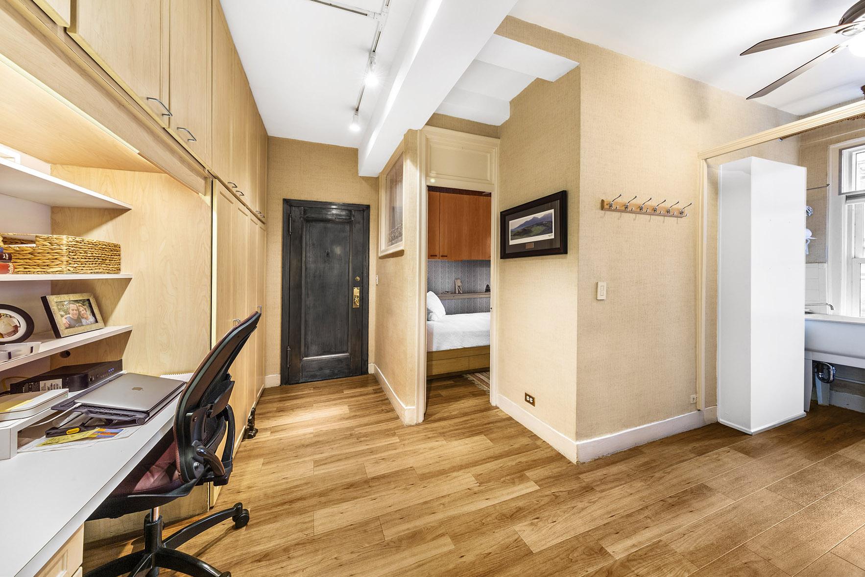flexible living space inside carnegie hill manhattan apartment 14 East 90th Street, Apt 6C
